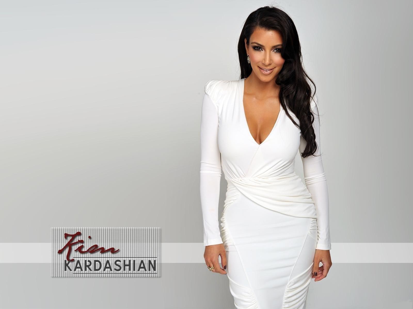 Kim Kardashian widescreen for desktop
