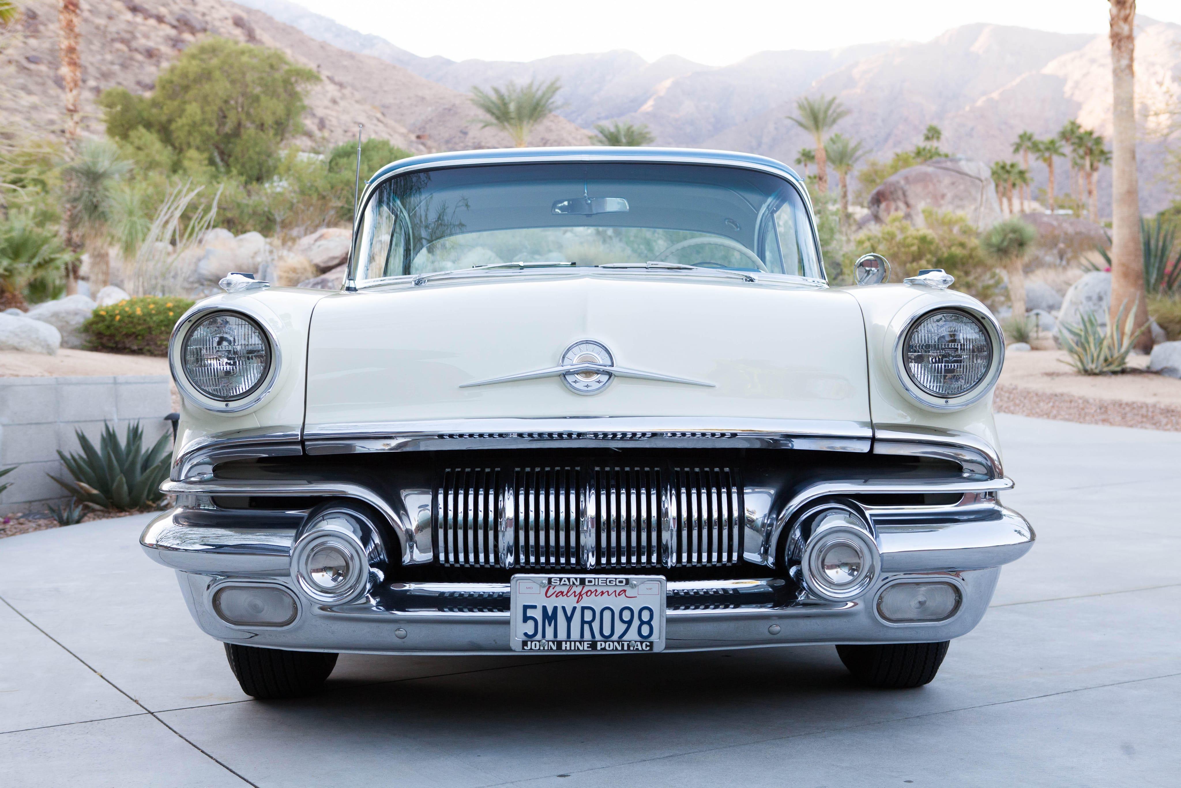 1957 Pontiac Star Chief Custom Bonneville Desktop wallpaper