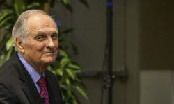 Alan Alda Desktop wallpaper