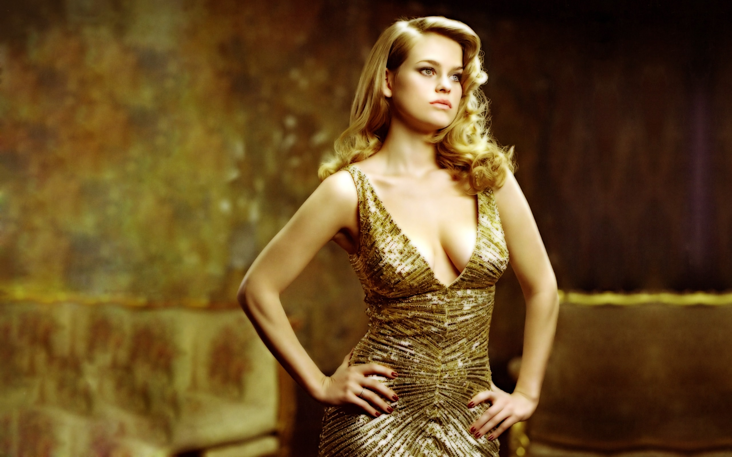 Alice Eve Download