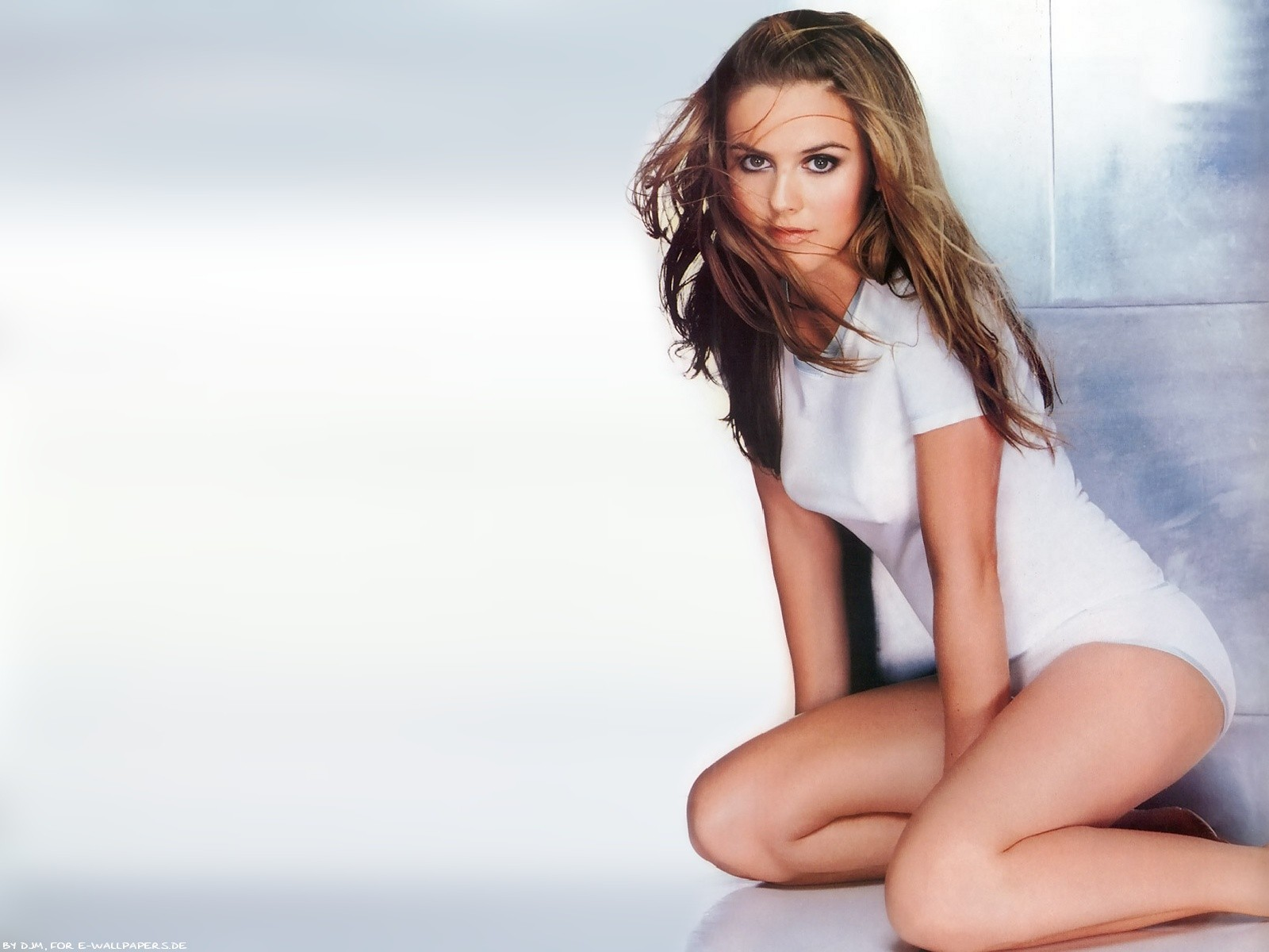 Alicia Silverstone Desktop wallpaper