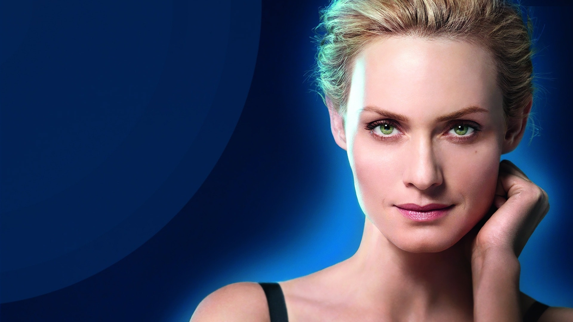 Amber Valletta Desktop wallpaper