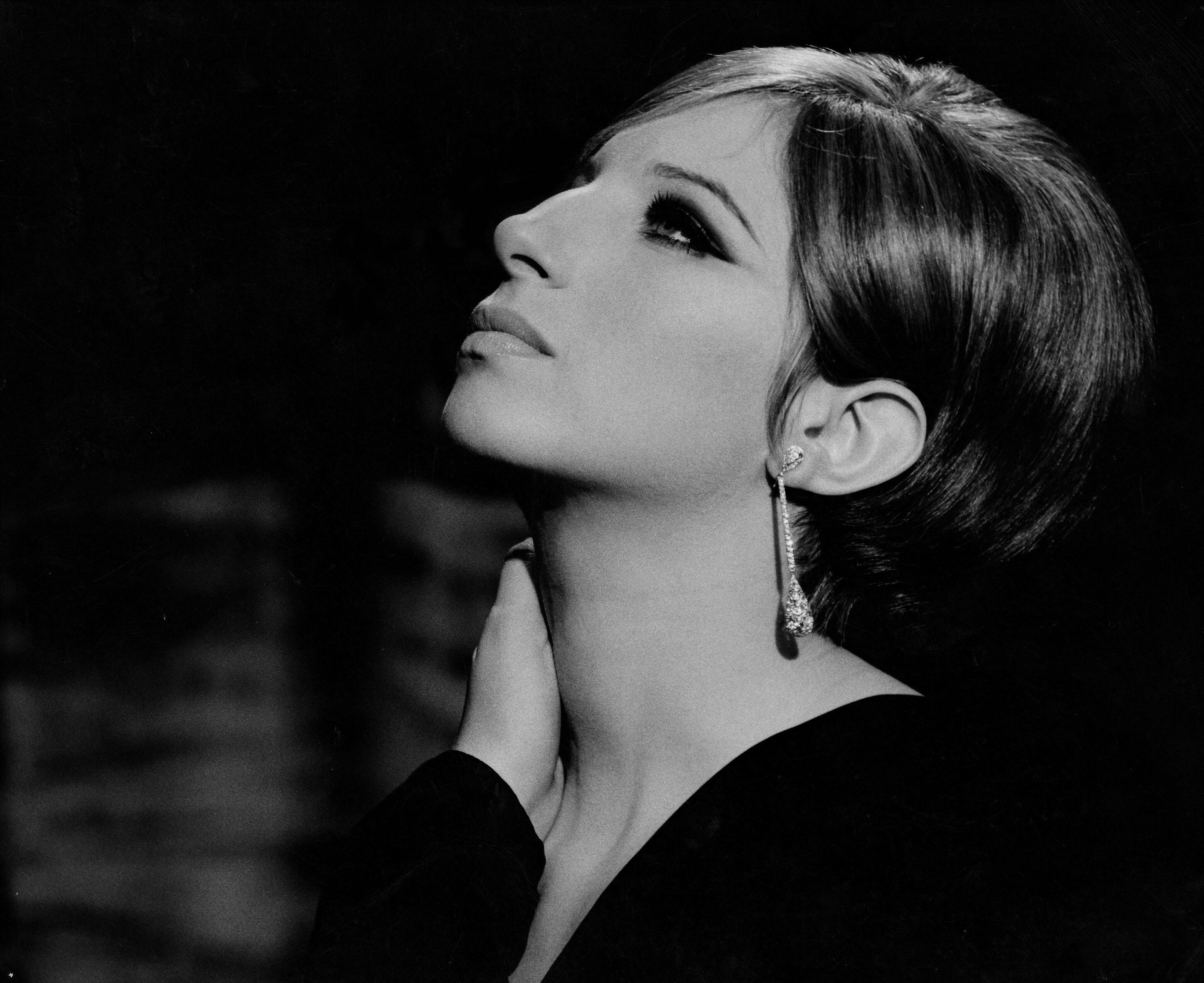 Barbra Streisand Desktop wallpaper