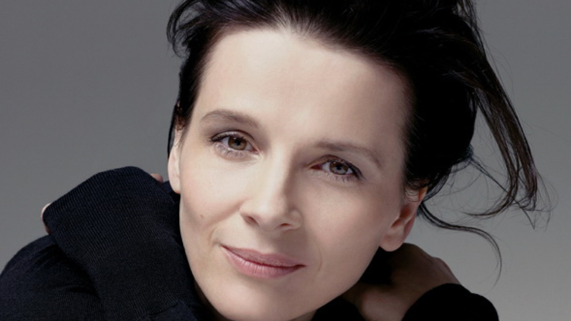Juliette Binoche Desktop wallpaper