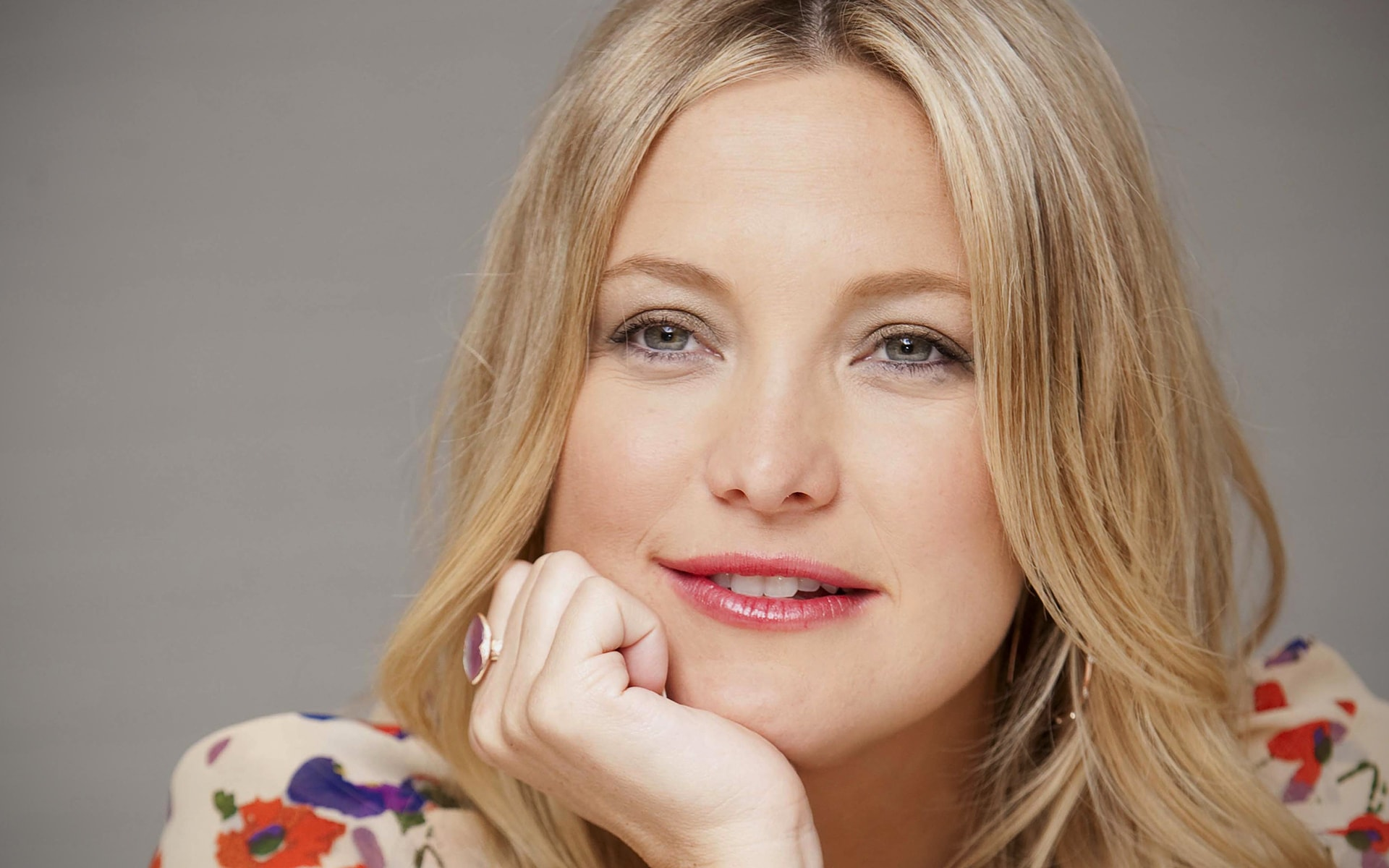 Kate Hudson Desktop wallpaper