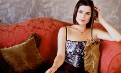 Neve Campbell Desktop wallpaper