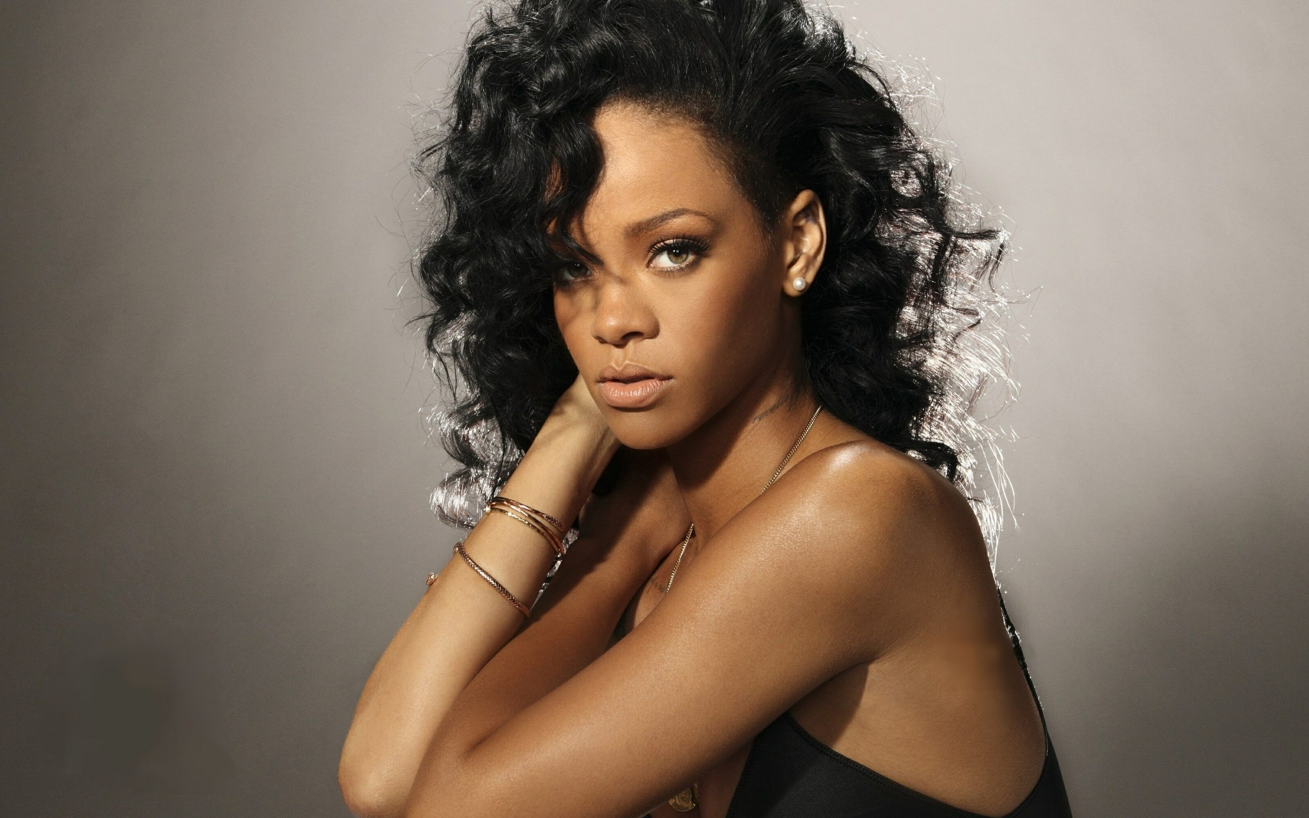 Rihanna Download