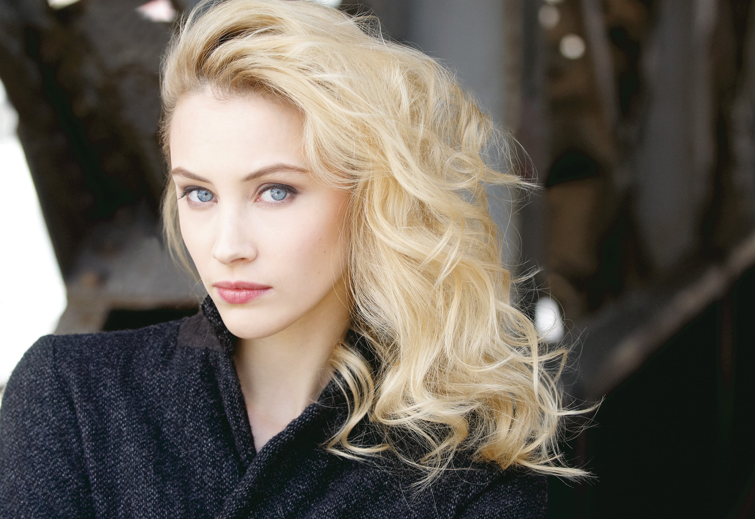 Sarah Gadons Desktop wallpaper