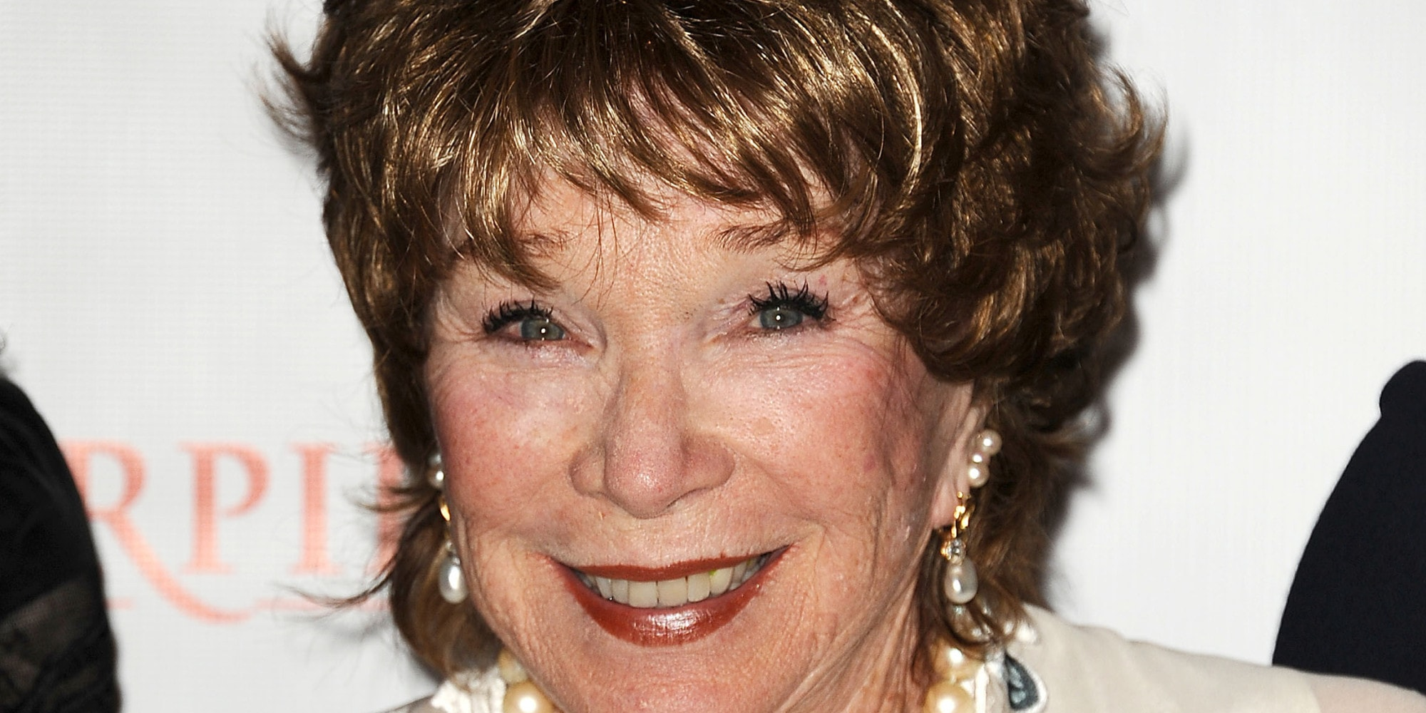 Shirley MacLaine Desktop wallpaper