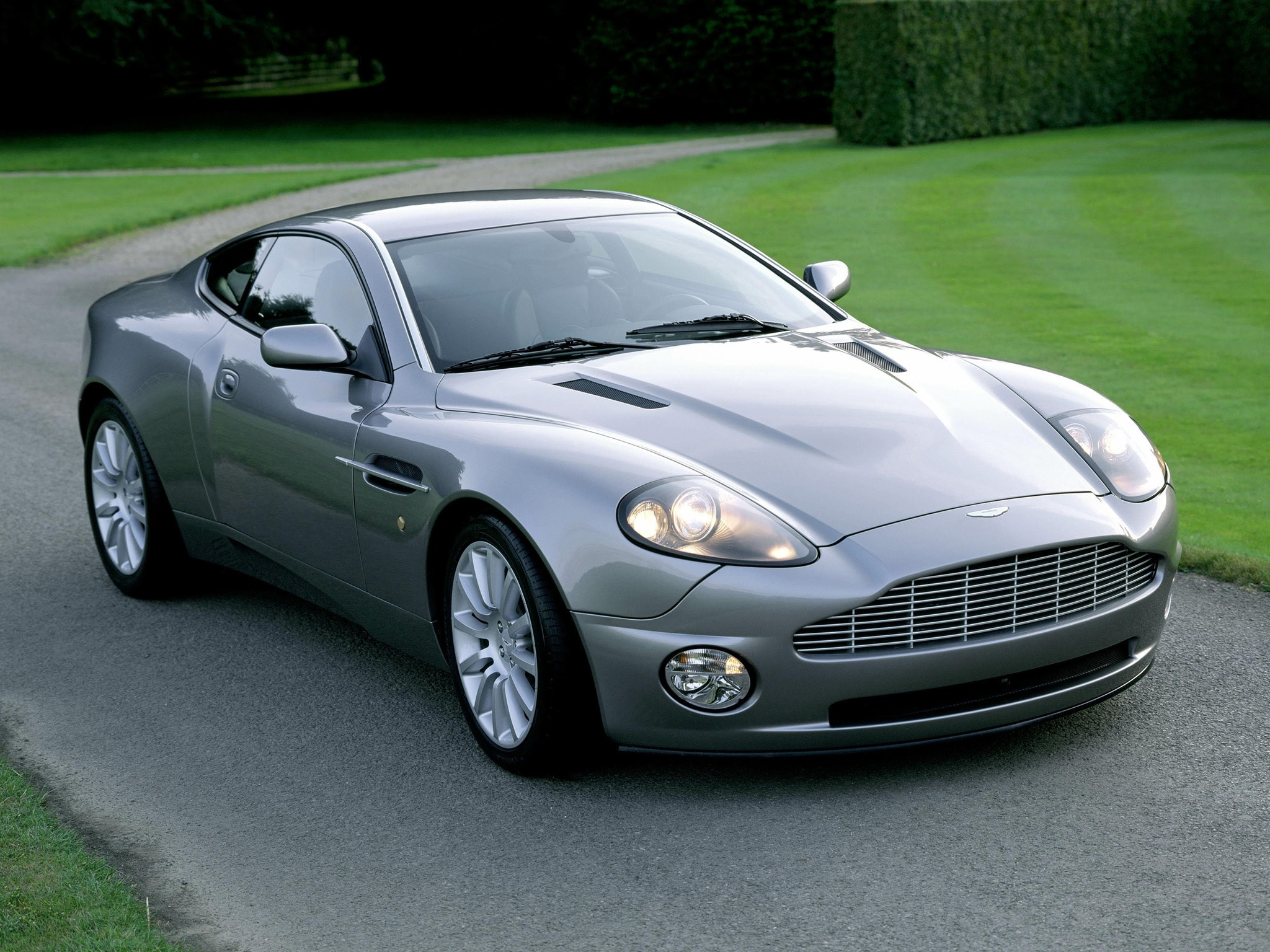2001 Aston Martin Vanquish widescreen wallpapers