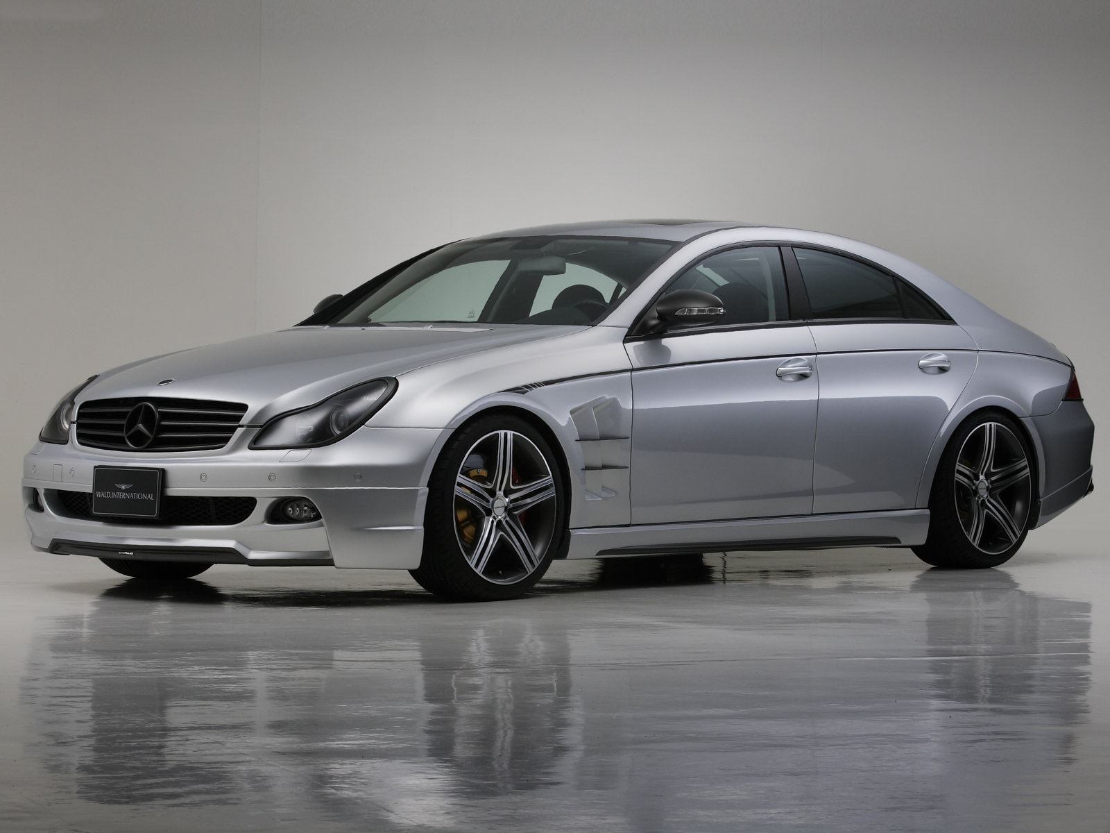 2005 Mercedes-Benz CLS widescreen wallpapers