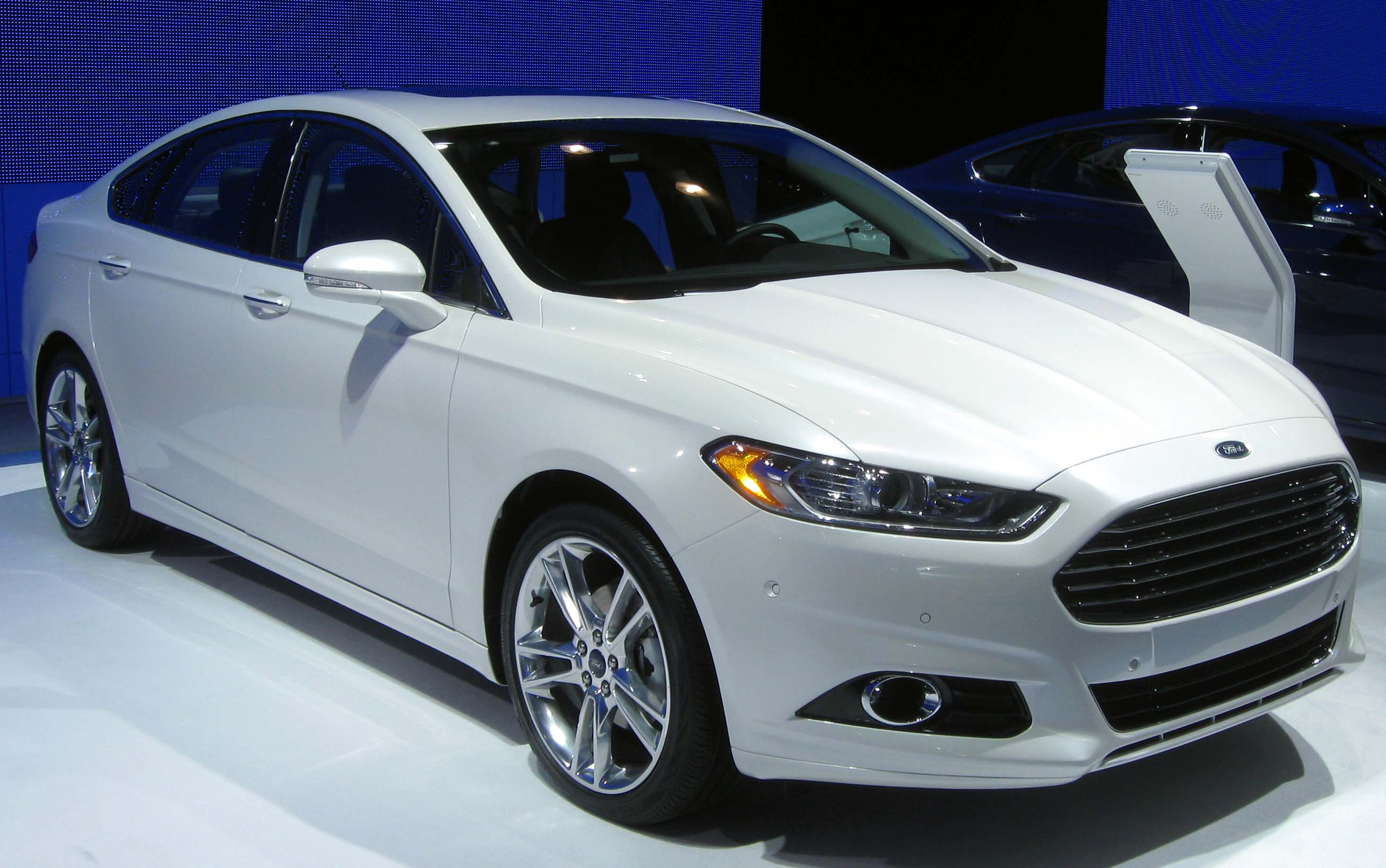 2013 Ford Fusion widescreen wallpapers