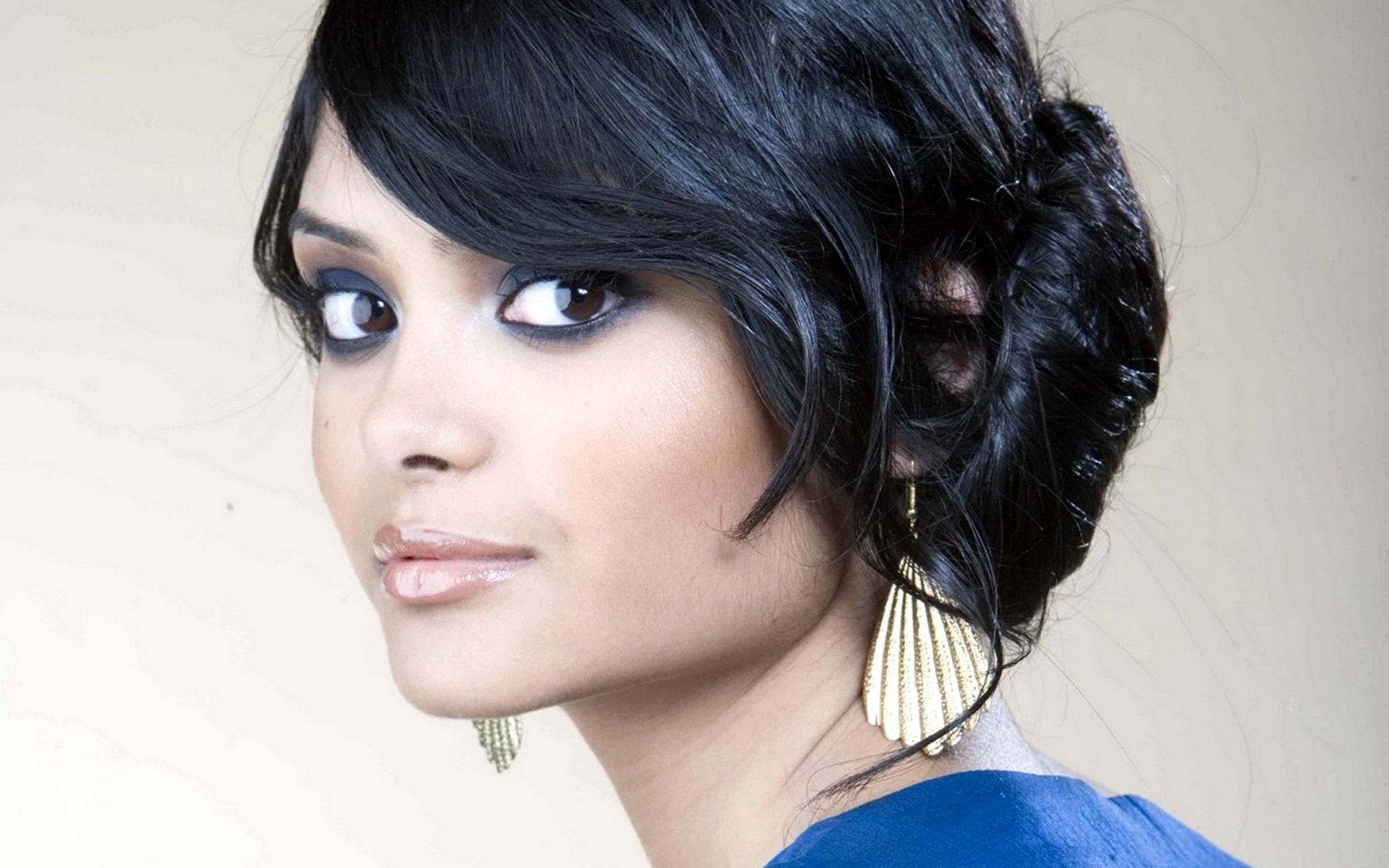 Afshan Azad widescreen wallpapers