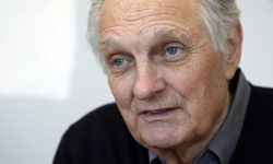 Alan Alda widescreen wallpapers