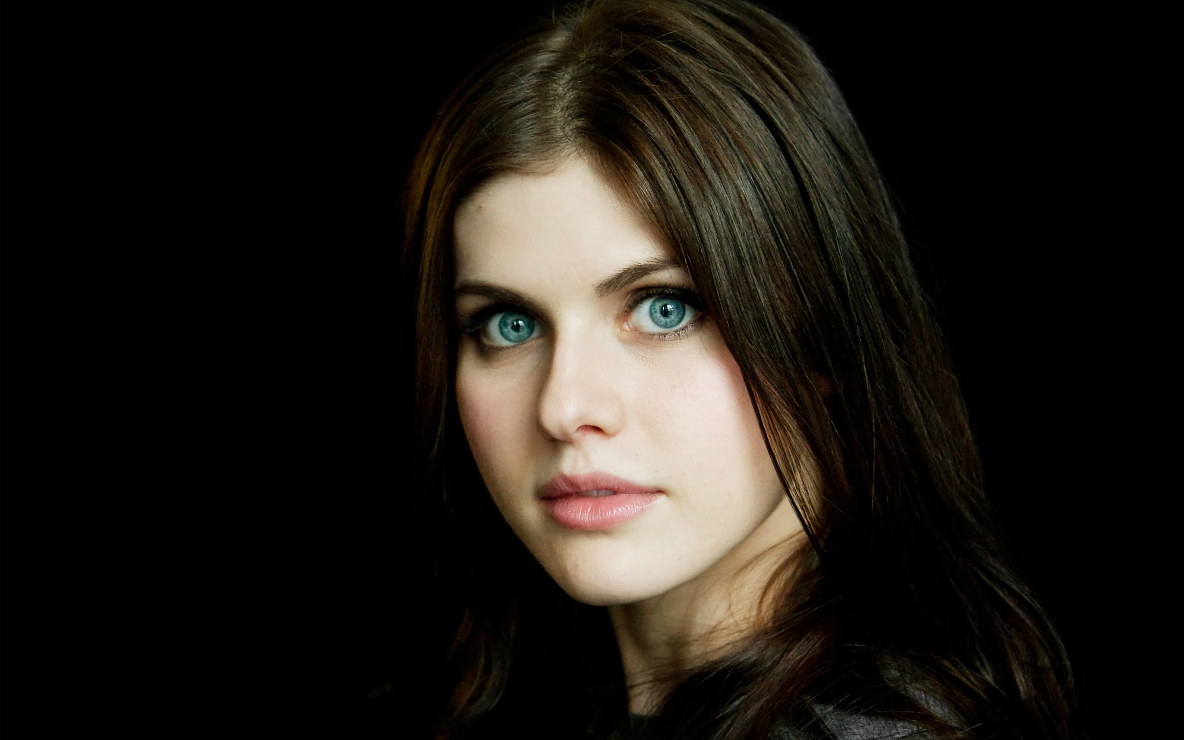 Alexandra Daddario widescreen wallpapers