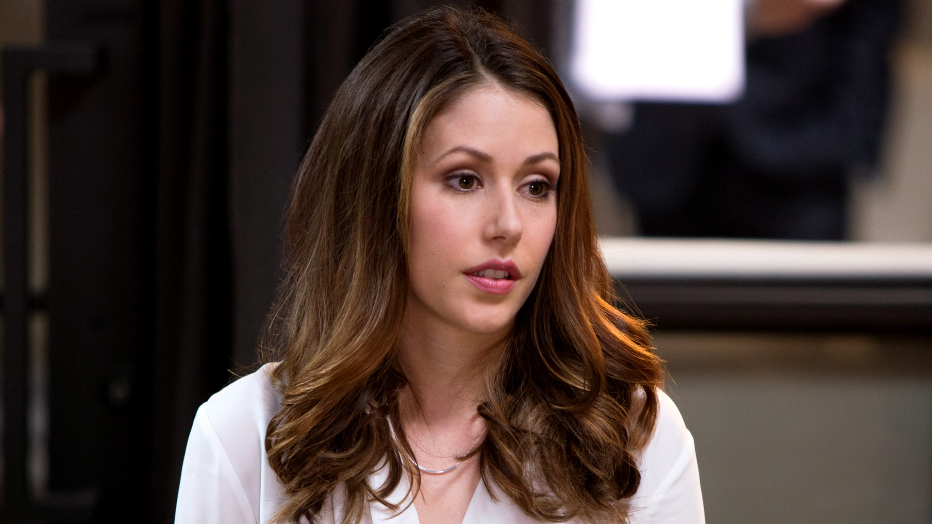 Amanda Crew widescreen wallpapers