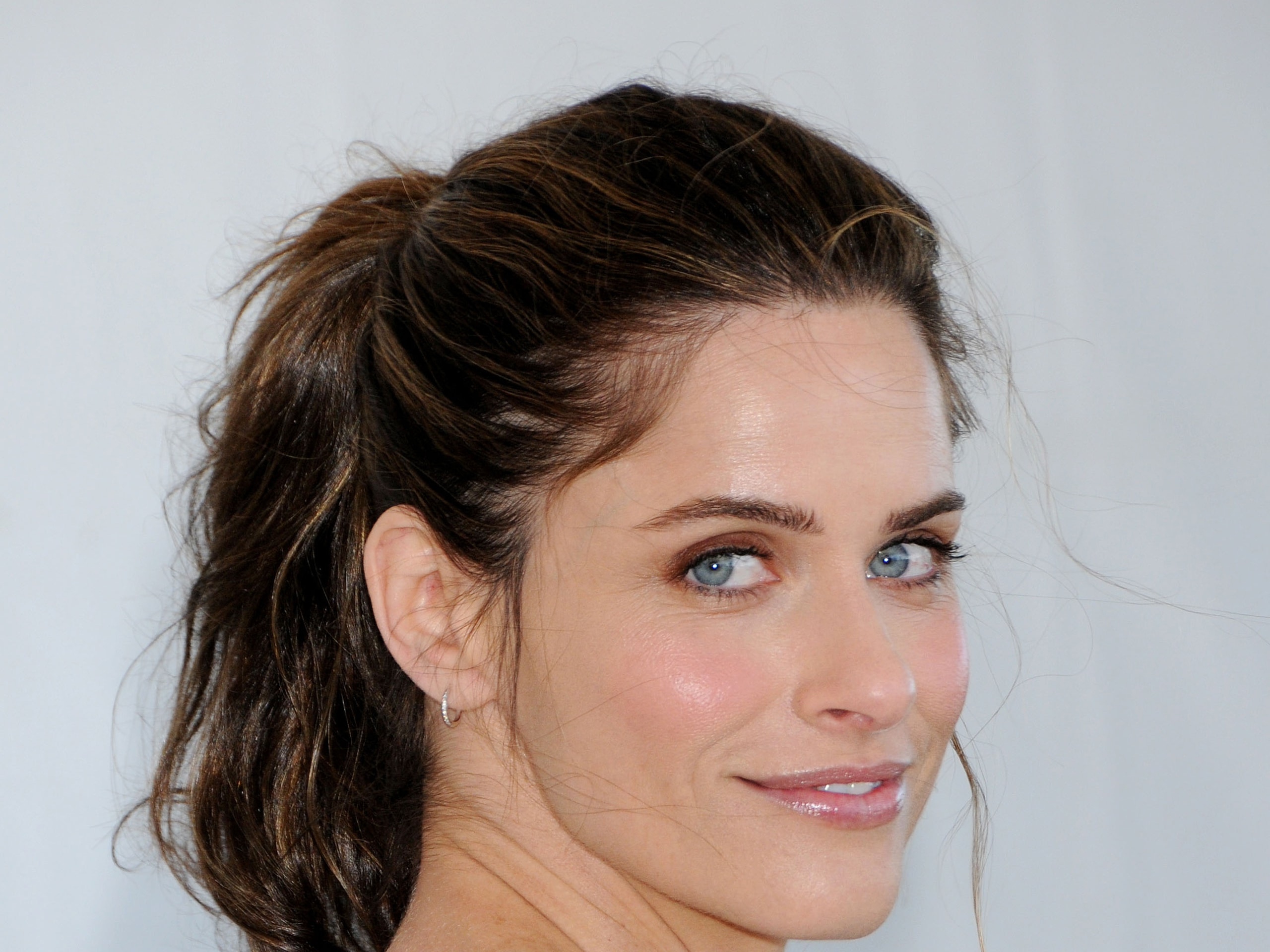 Amanda Peet widescreen wallpapers