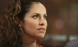 Amy Brenneman widescreen wallpapers