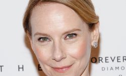 Amy Ryan widescreen wallpapers