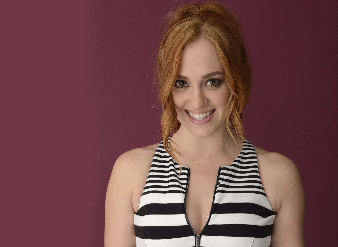 Andrea Bowen widescreen wallpapers