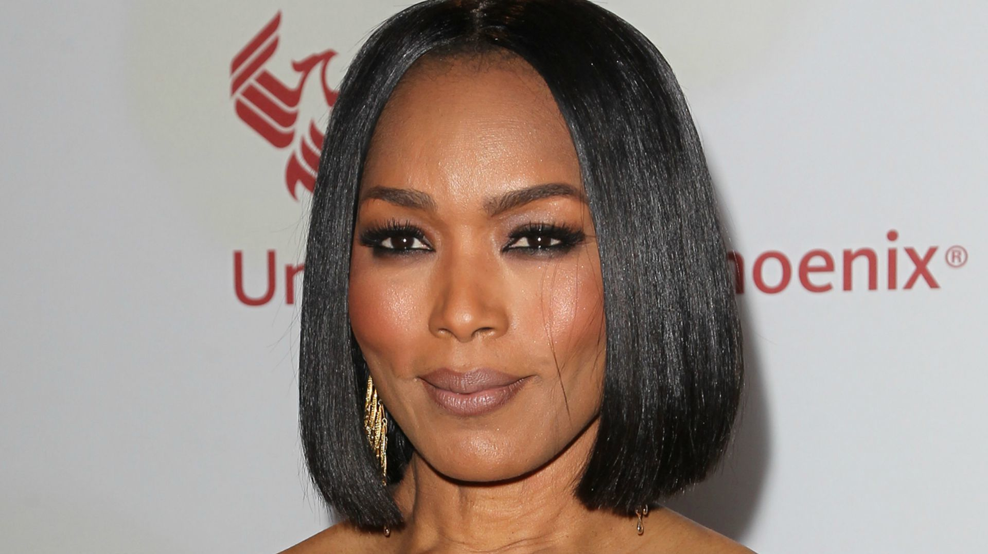 Angela Bassett widescreen wallpapers