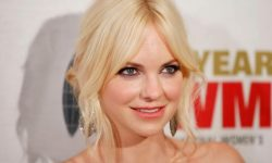 Anna Faris widescreen wallpapers