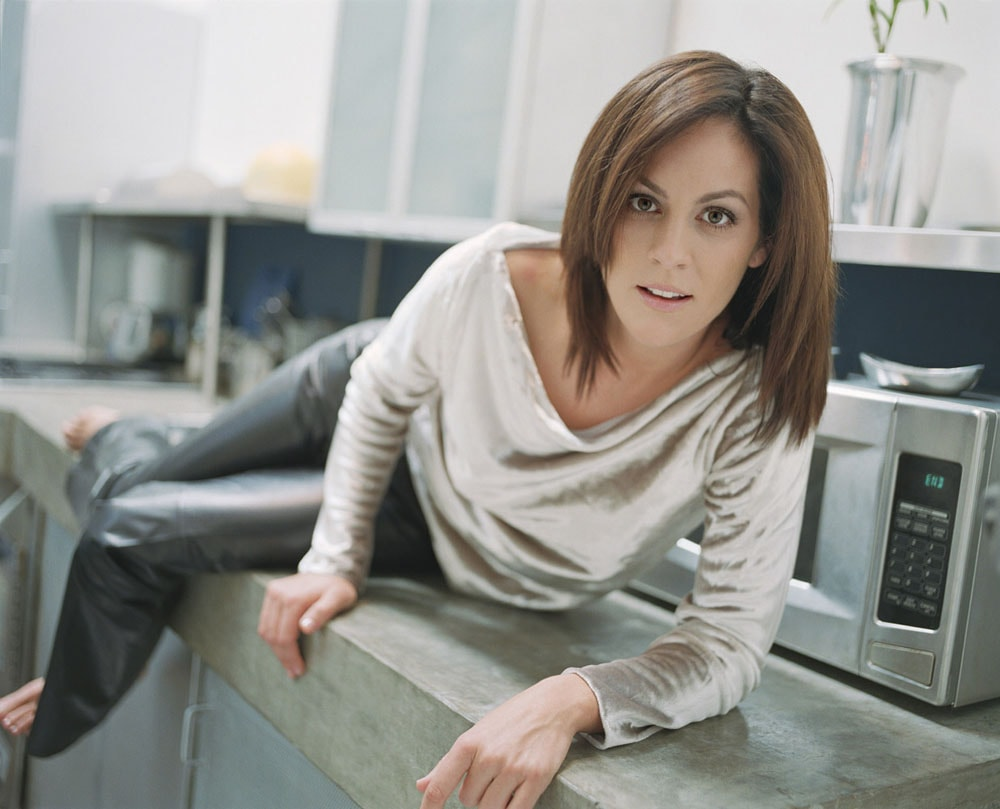Annabeth Gish widescreen wallpapers