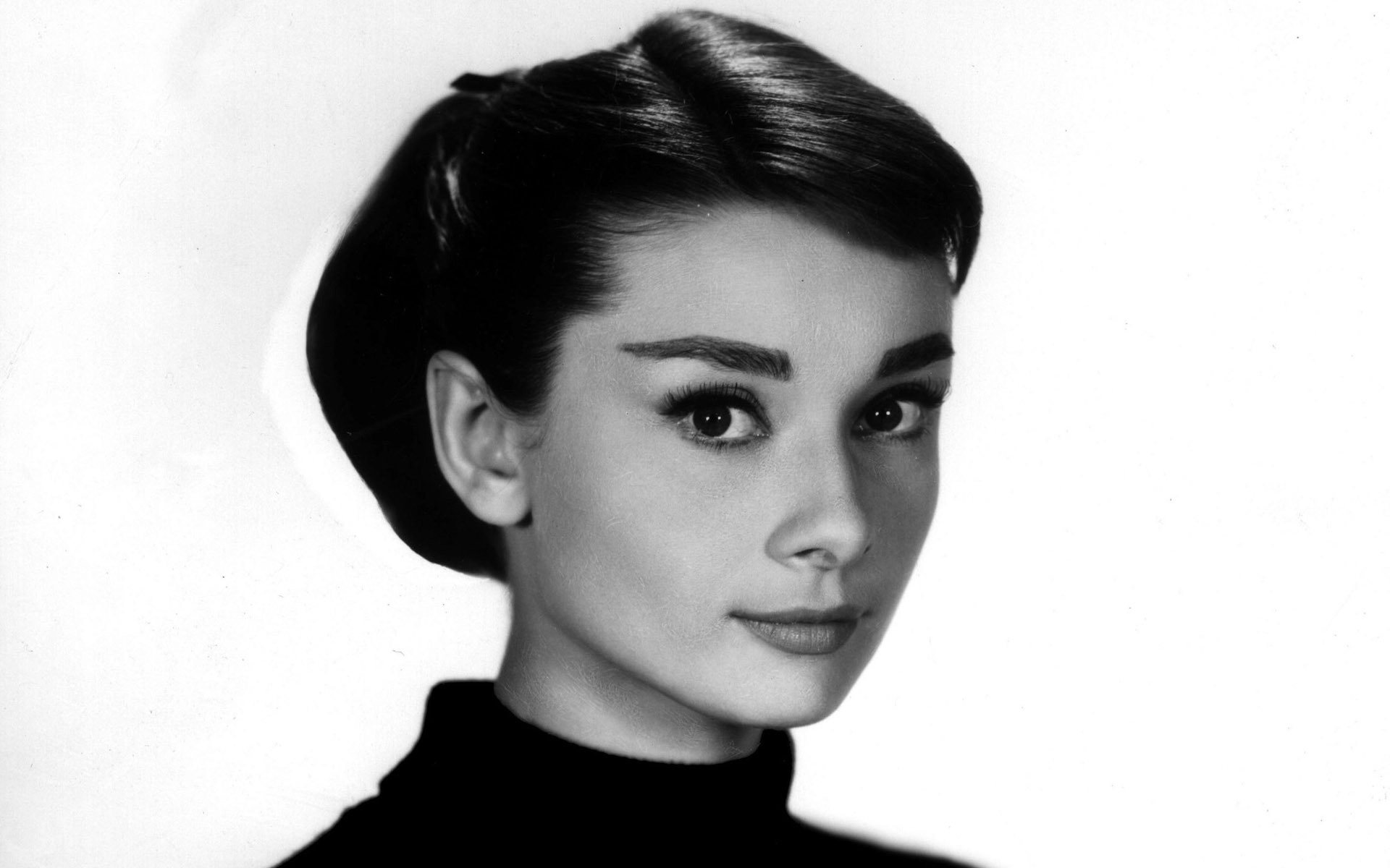Audrey Hepburn widescreen wallpapers