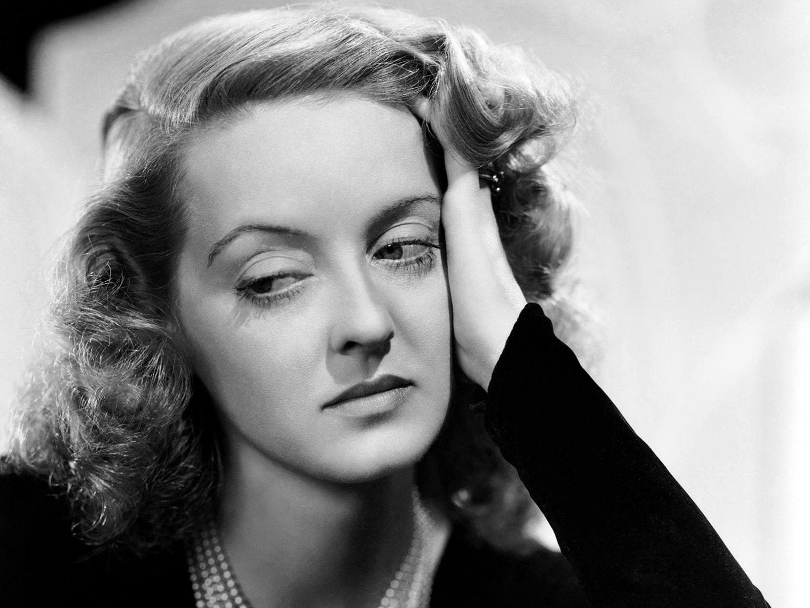 Bette Davis widescreen wallpapers