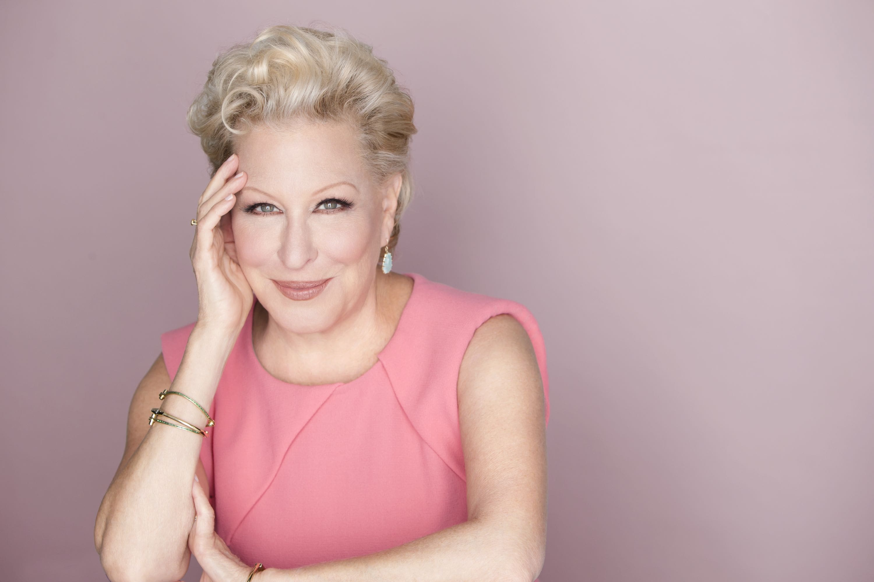 Bette Midler widescreen wallpapers