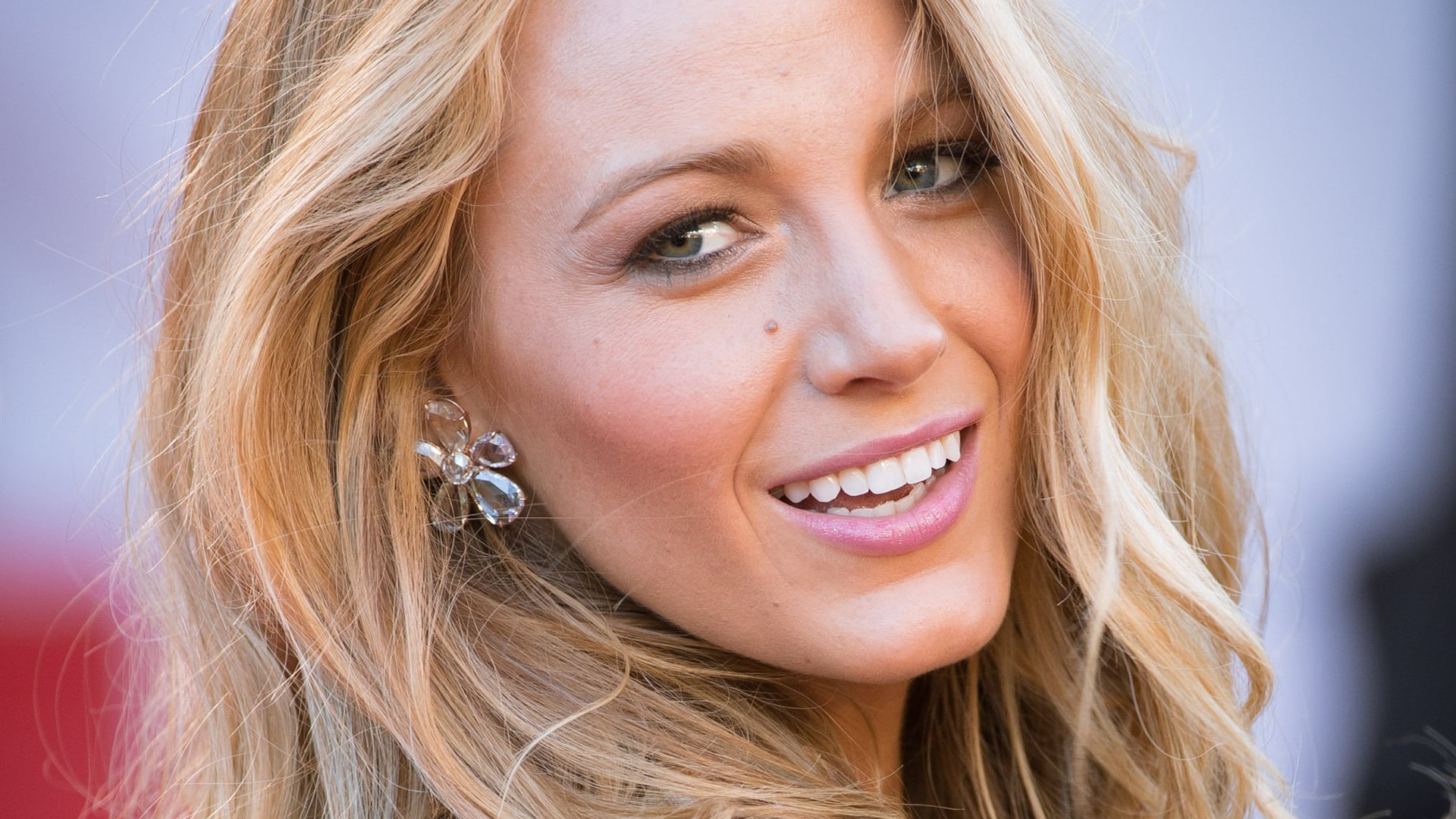 Blake Lively widescreen wallpapers