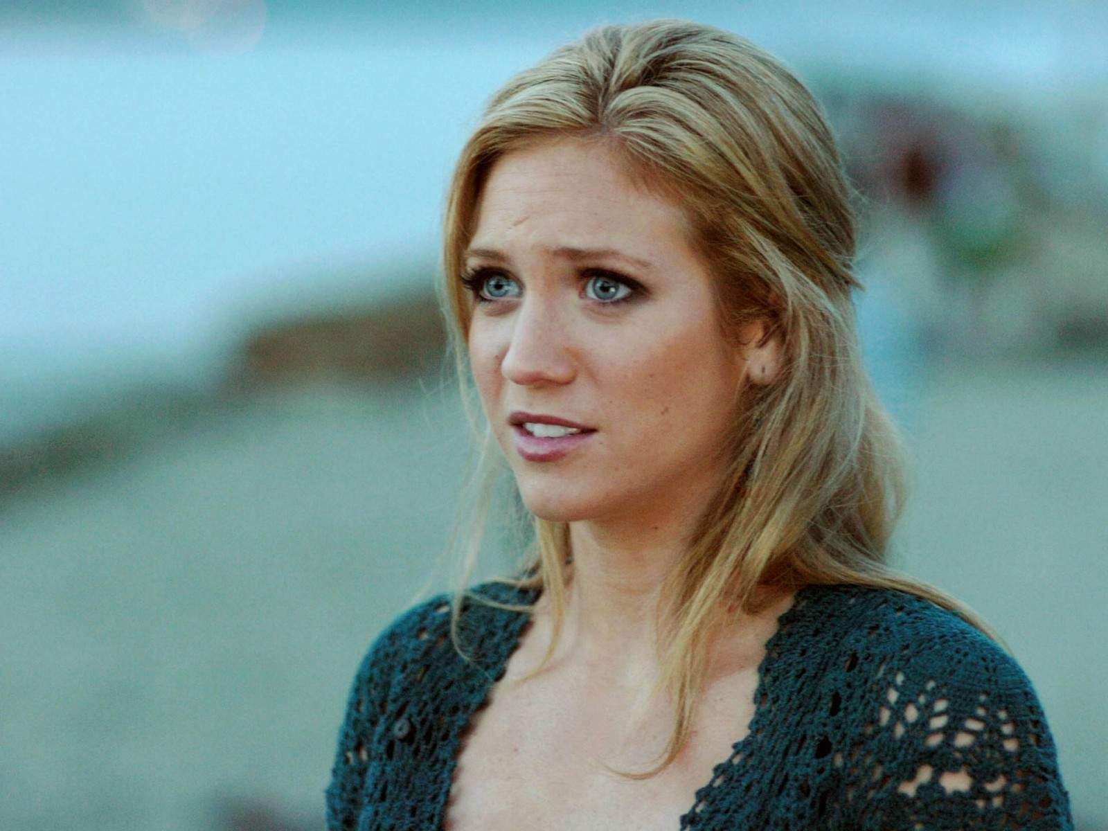 Brittany Snow widescreen wallpapers