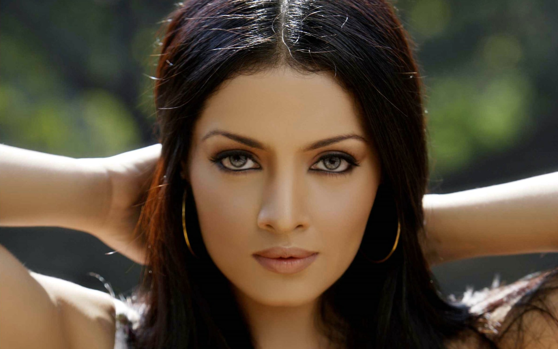 Celina Jaitley widescreen wallpapers