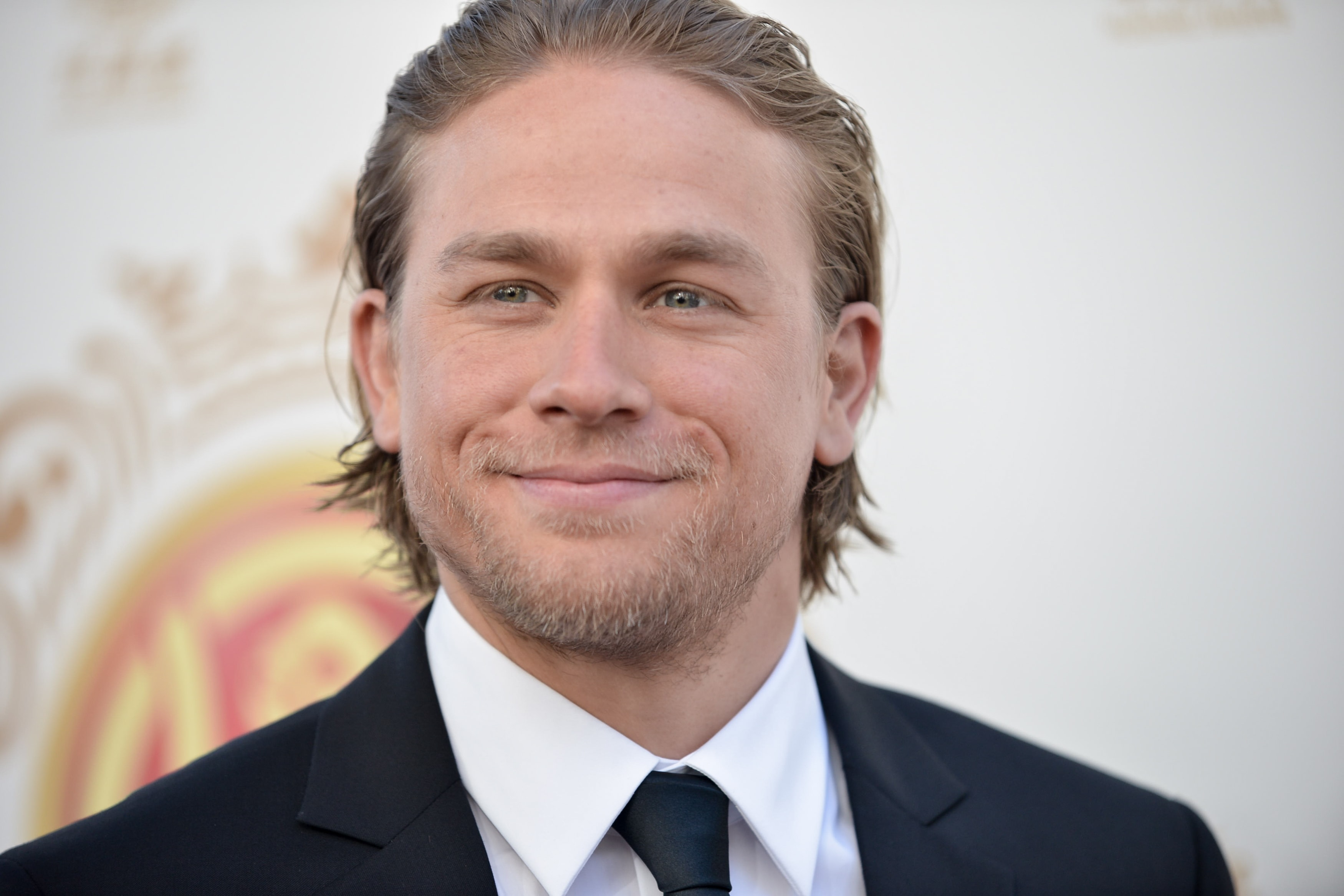Charlie Hunnam widescreen wallpapers