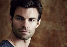 Daniel Gillies widescreen wallpapers