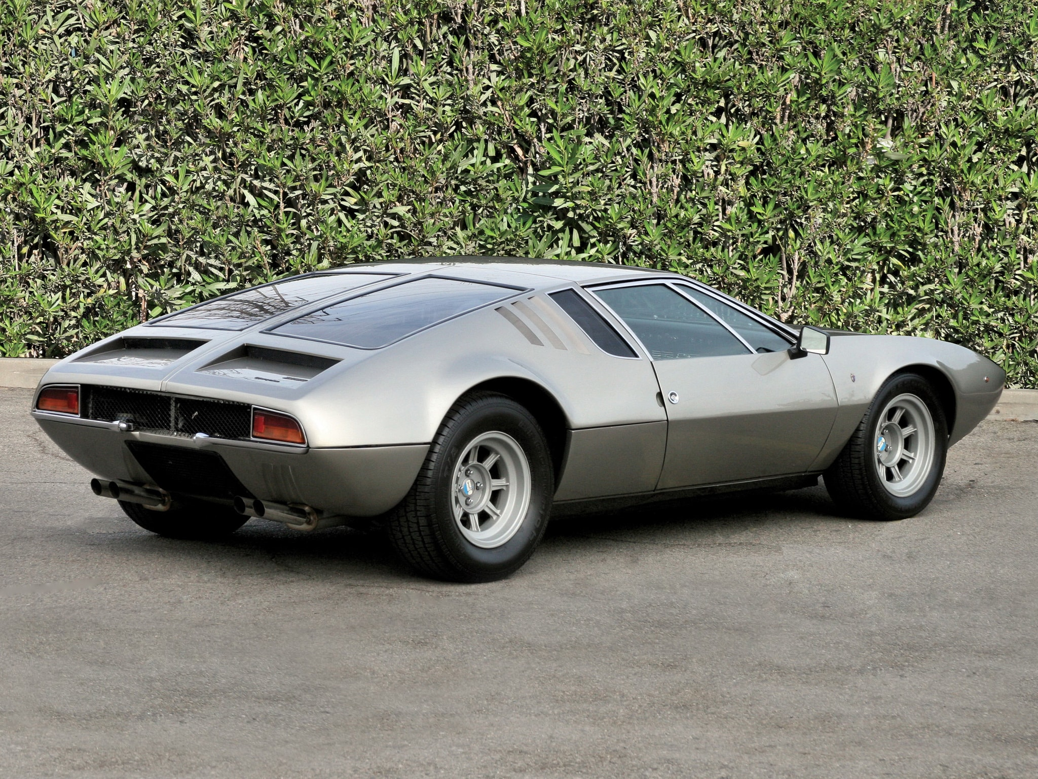 De Tomaso Mangusta widescreen wallpapers