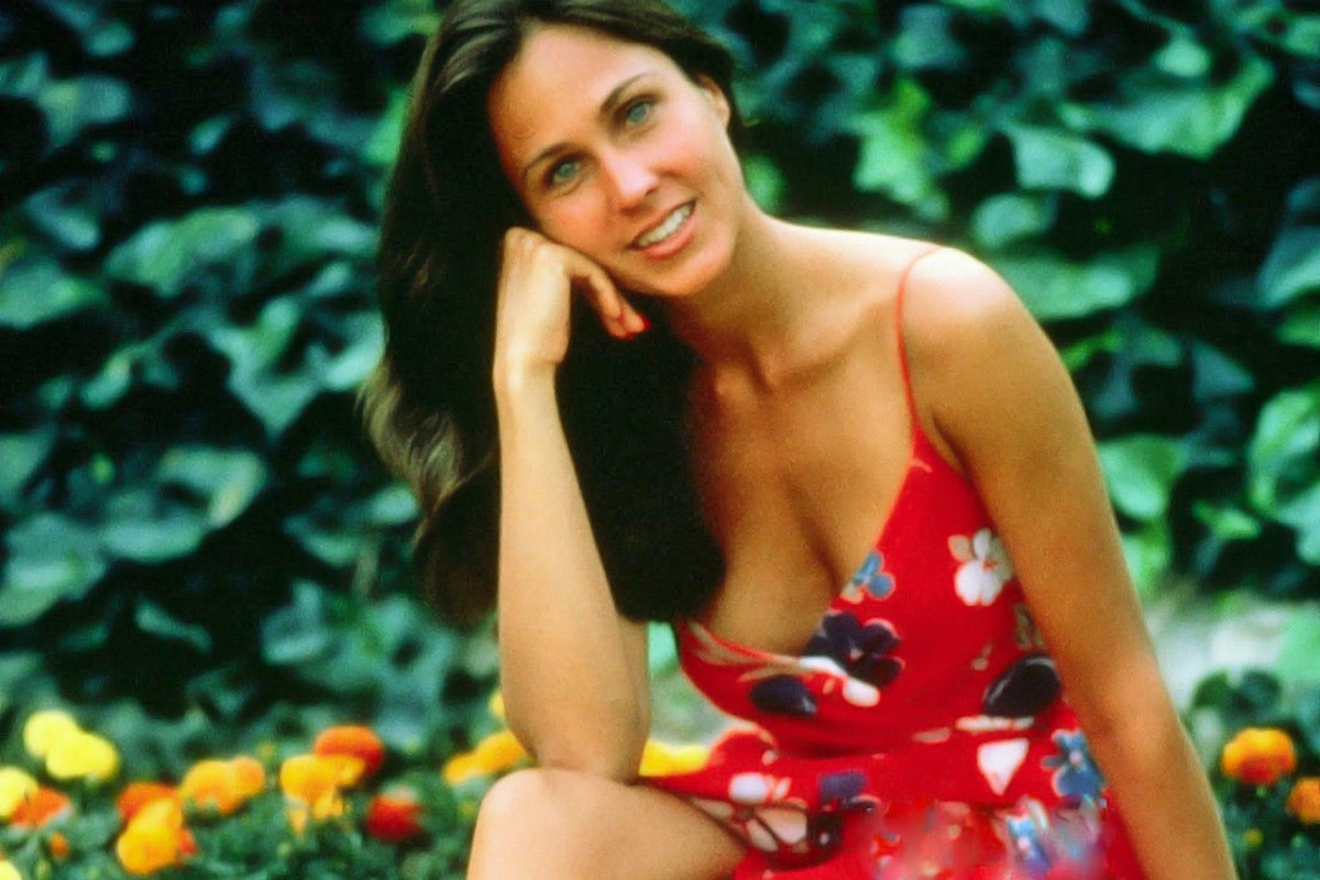 Erin Gray widescreen wallpapers
