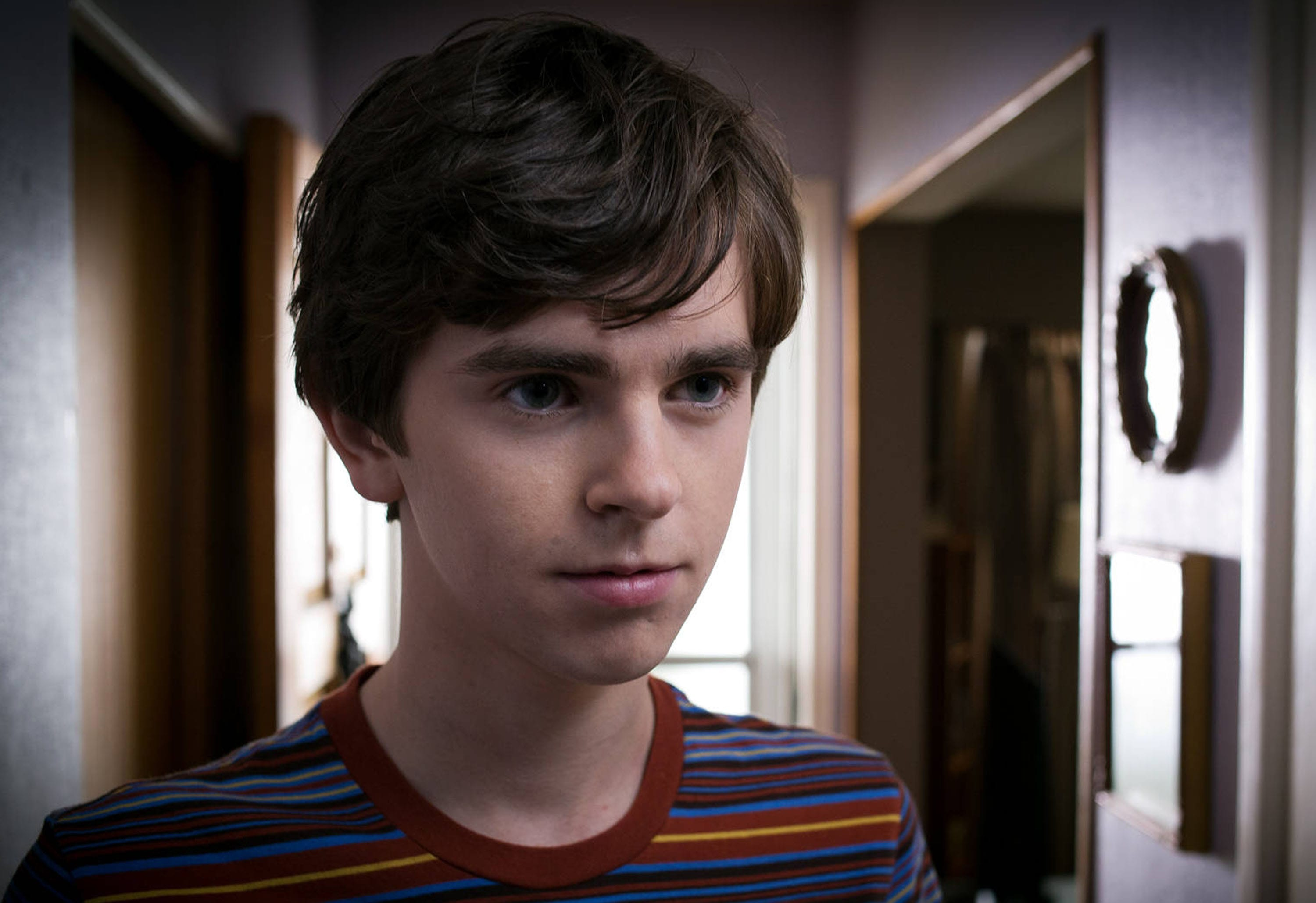 Freddie Highmore widescreen wallpapers