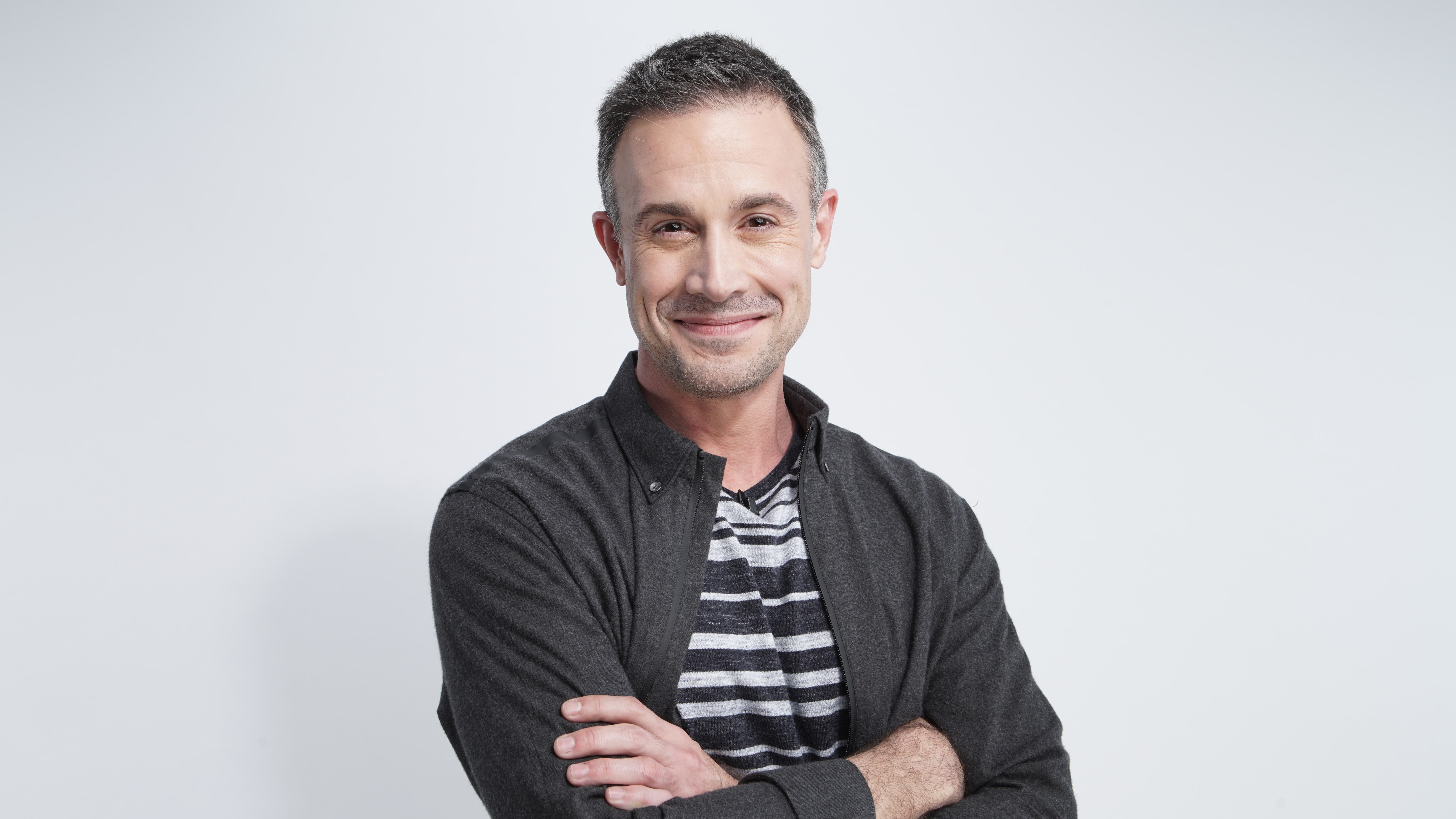 Freddie Prinze Jr. widescreen wallpapers