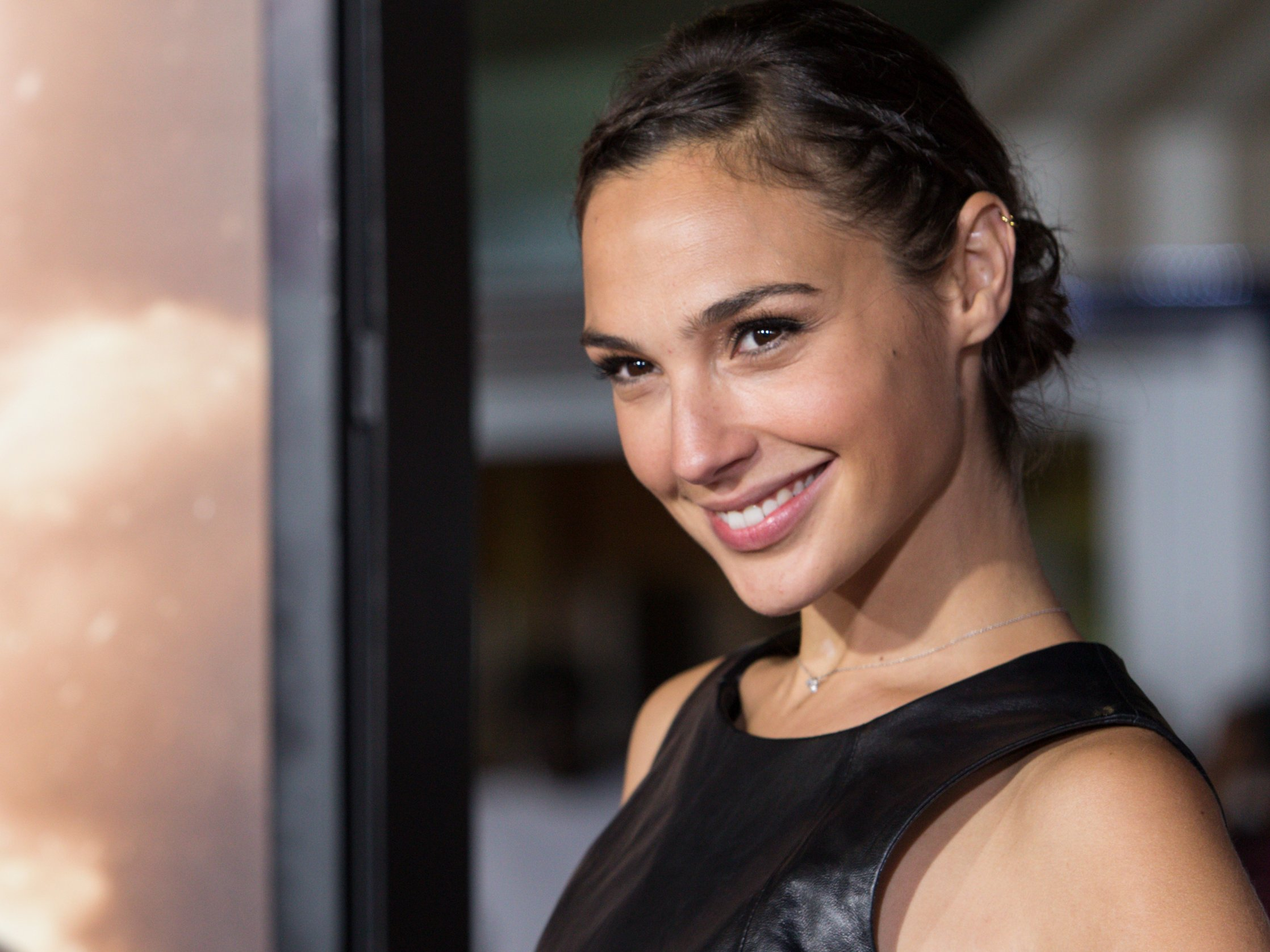Gal Gadot widescreen wallpapers