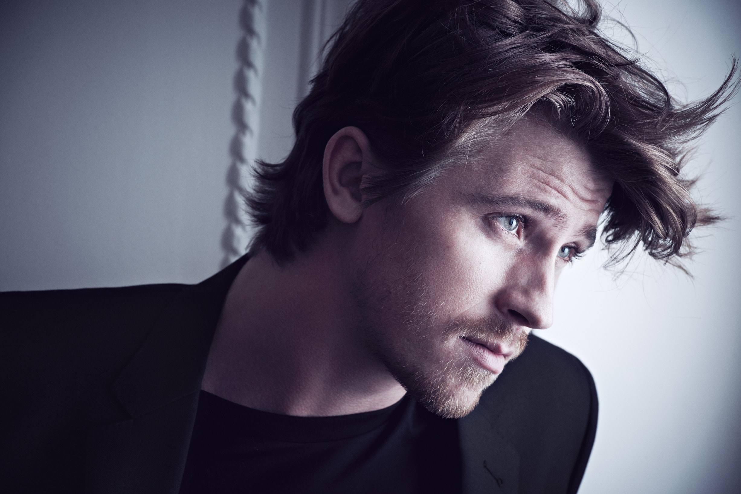 Garrett Hedlund widescreen wallpapers