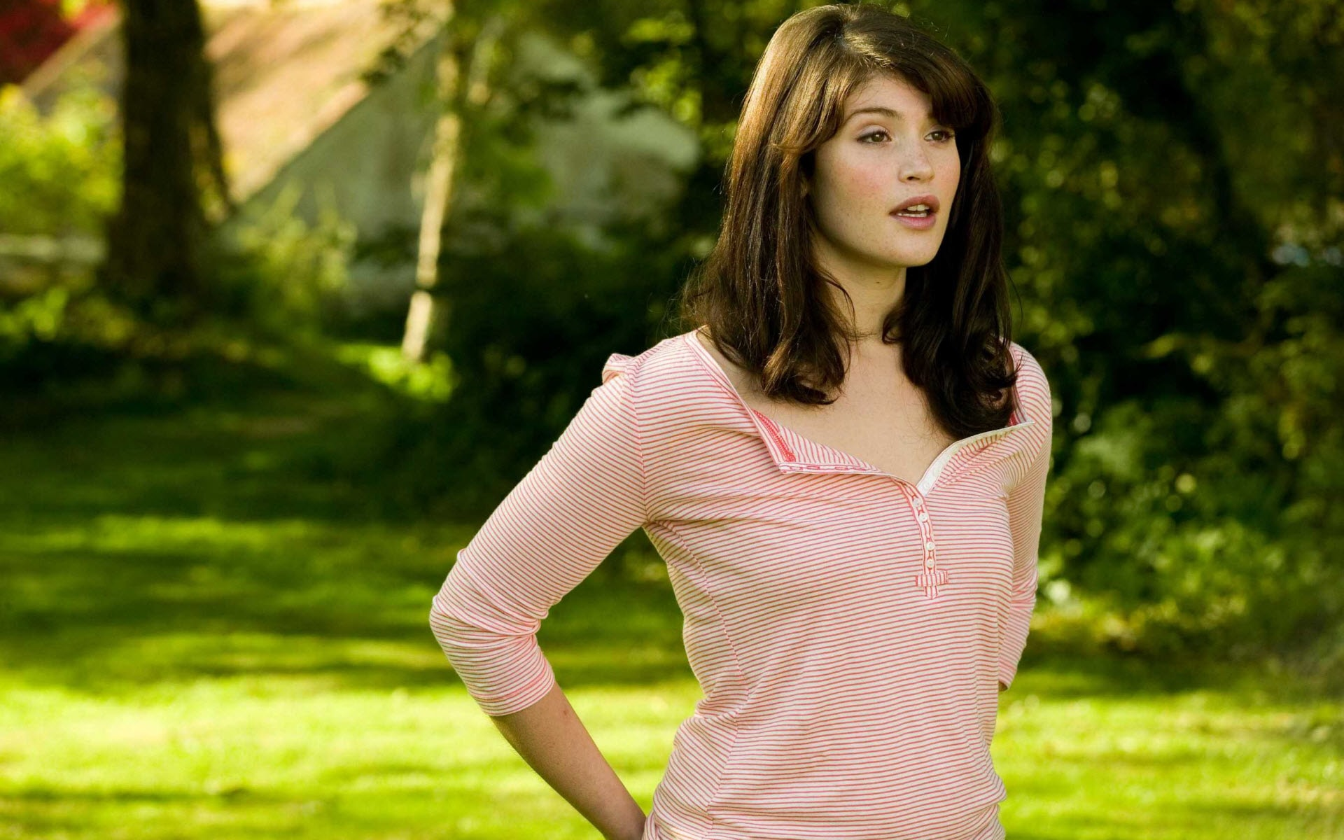 Gemma Arterton widescreen wallpapers