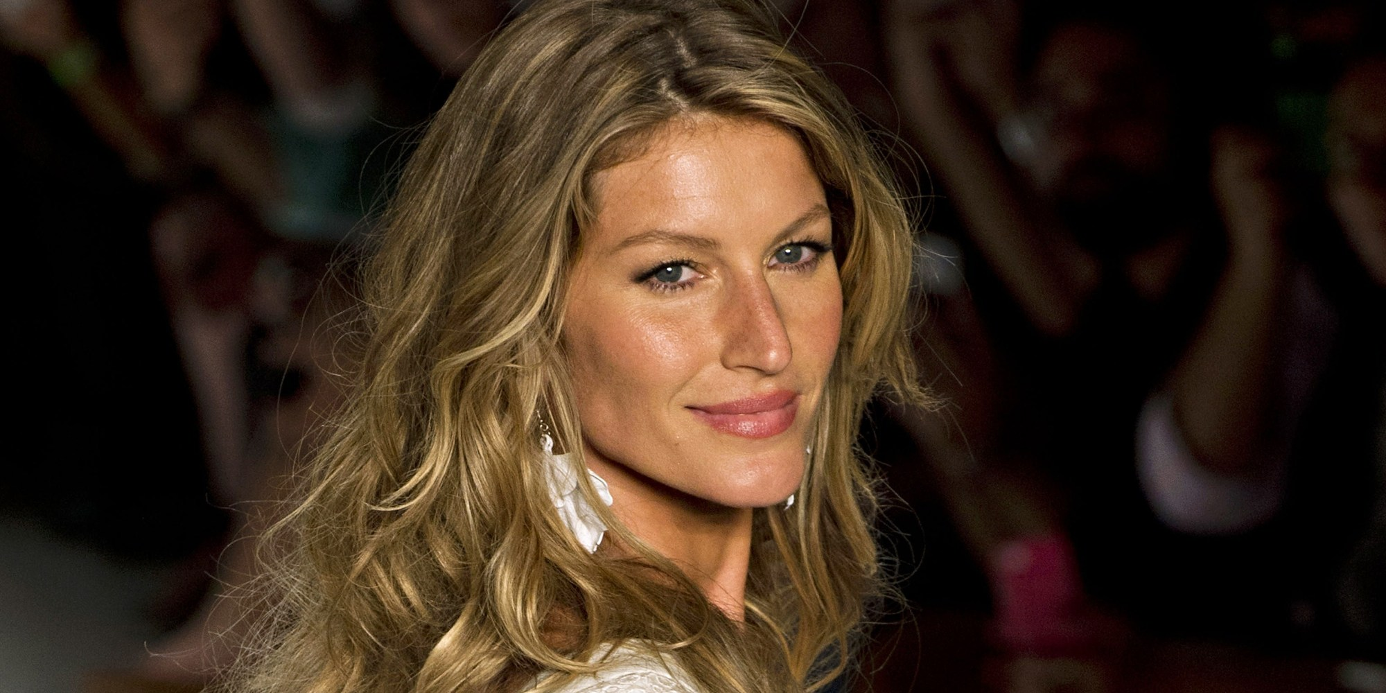 Gisele Bundchen widescreen wallpapers