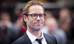 Guy Pearce widescreen wallpapers