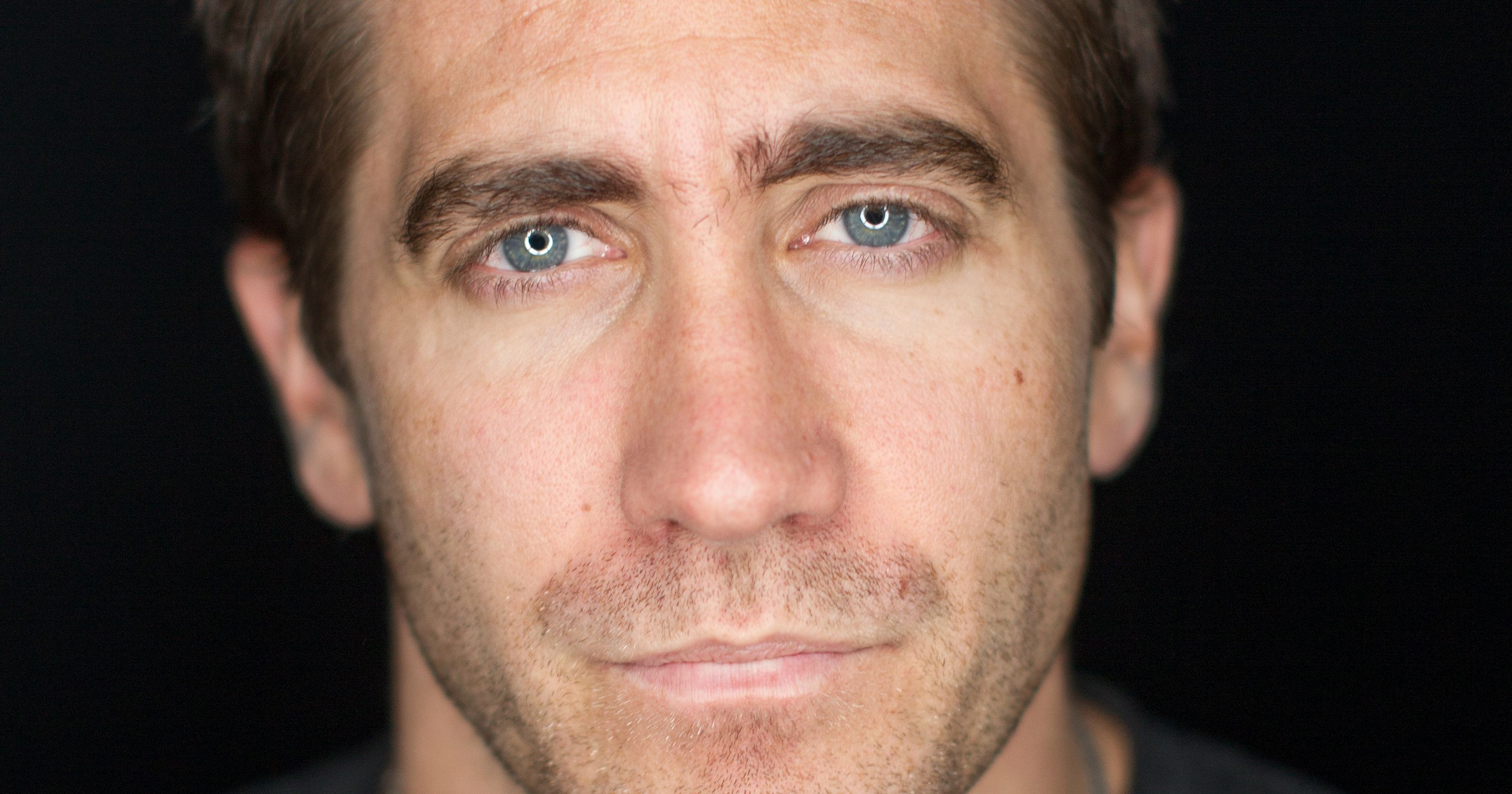 Jake Gyllenhaal widescreen wallpapers