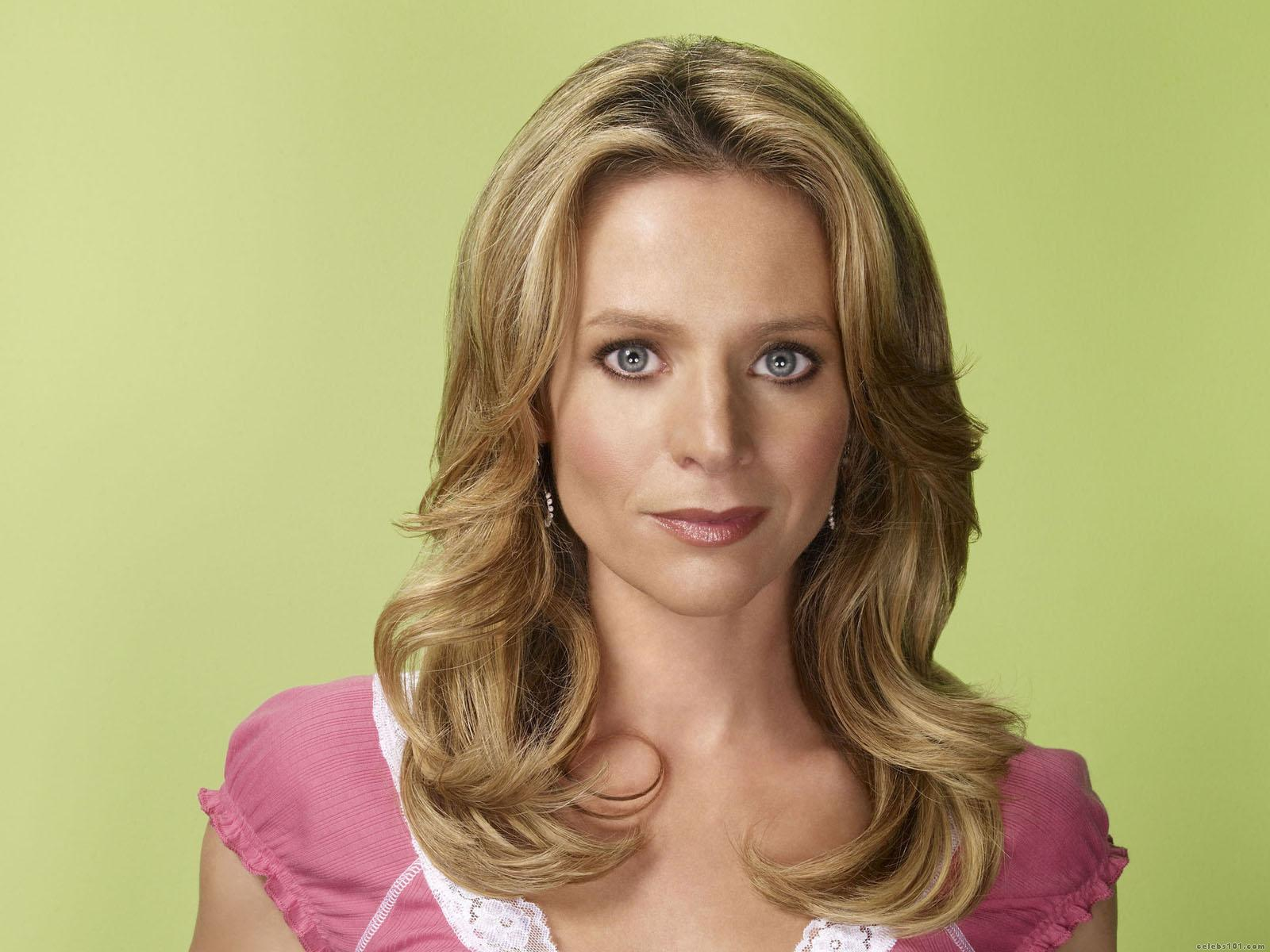 Jessalyn Gilsig widescreen wallpapers