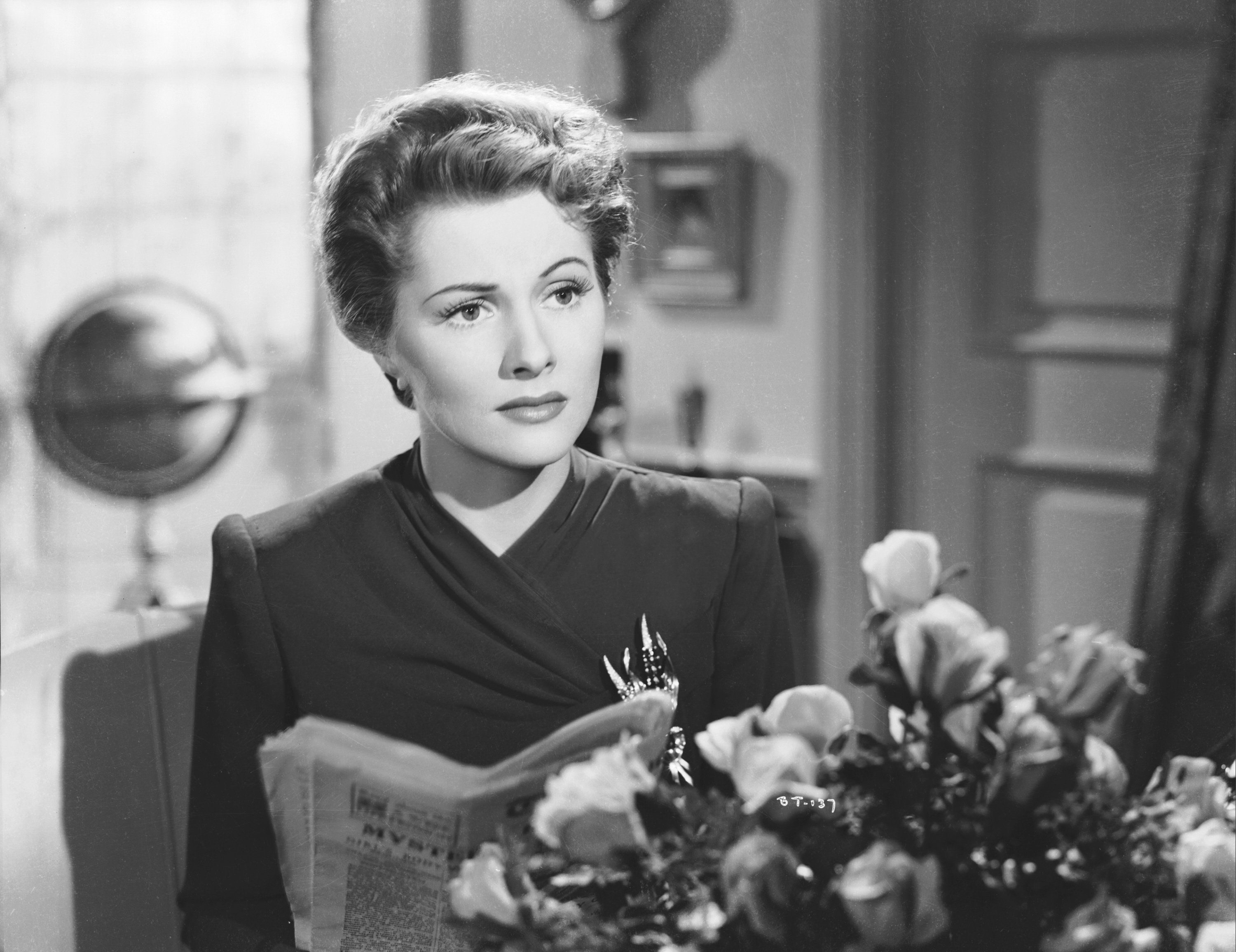 Joan Fontaine widescreen wallpapers