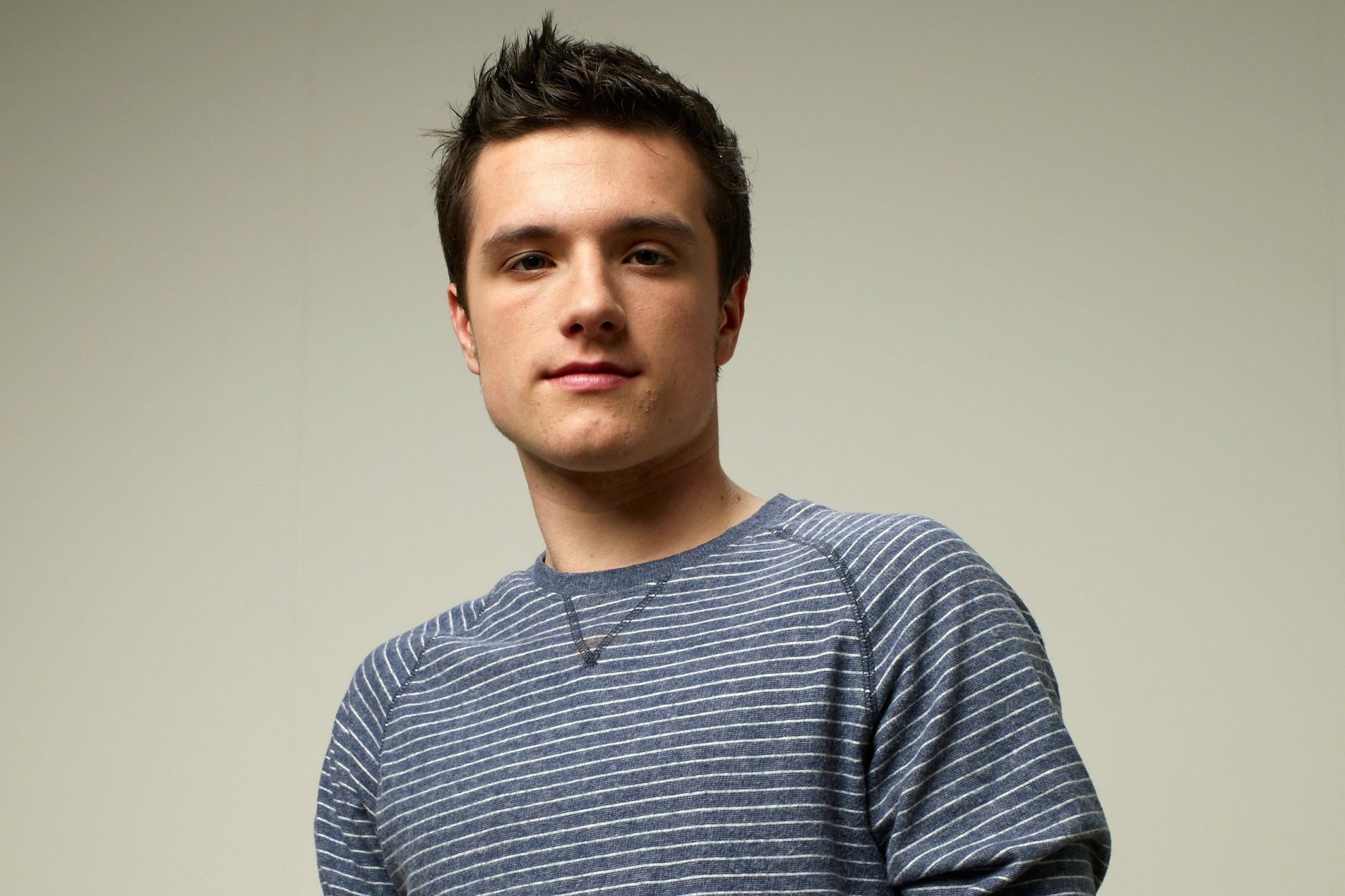 Josh Hutcherson widescreen wallpapers