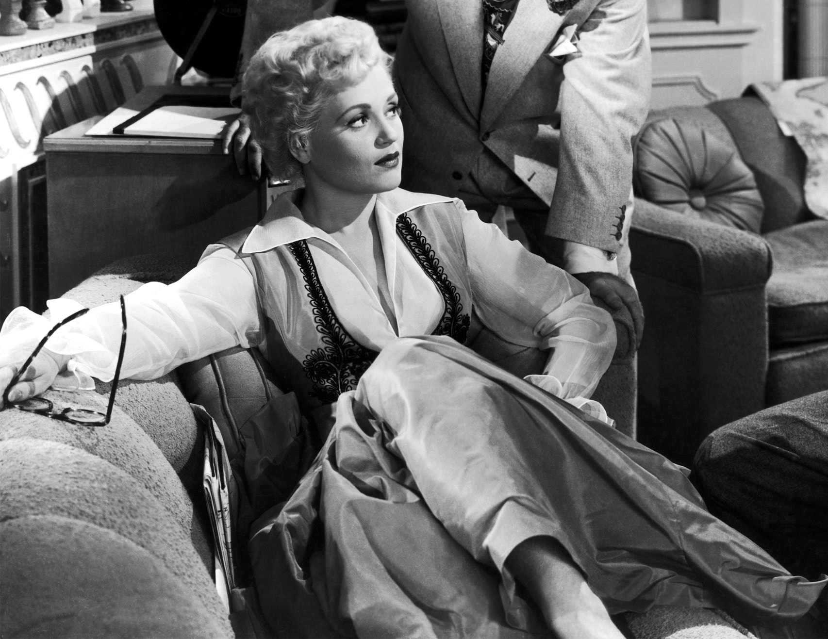 Judy Holliday widescreen wallpapers