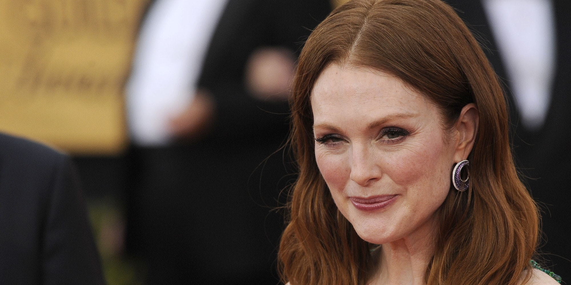 Julianne Moore widescreen wallpapers